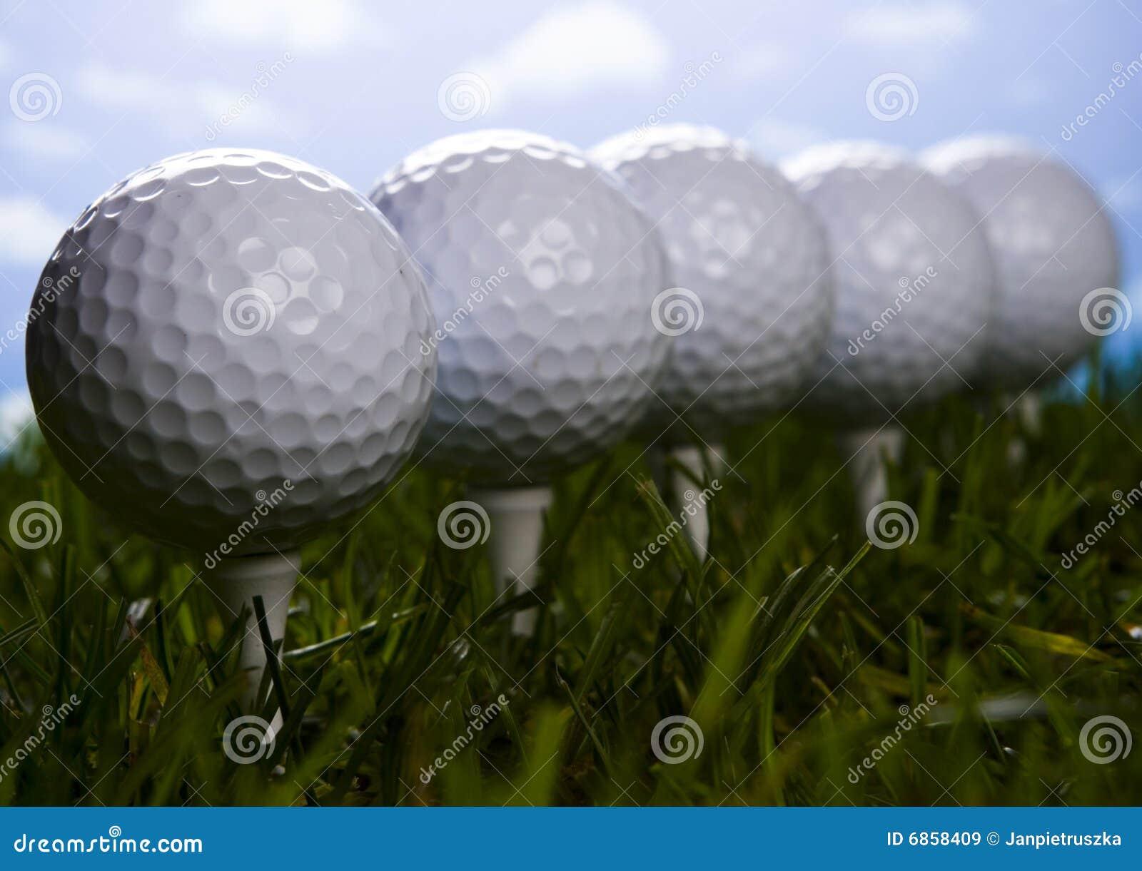 тройник травы гольфа шарика