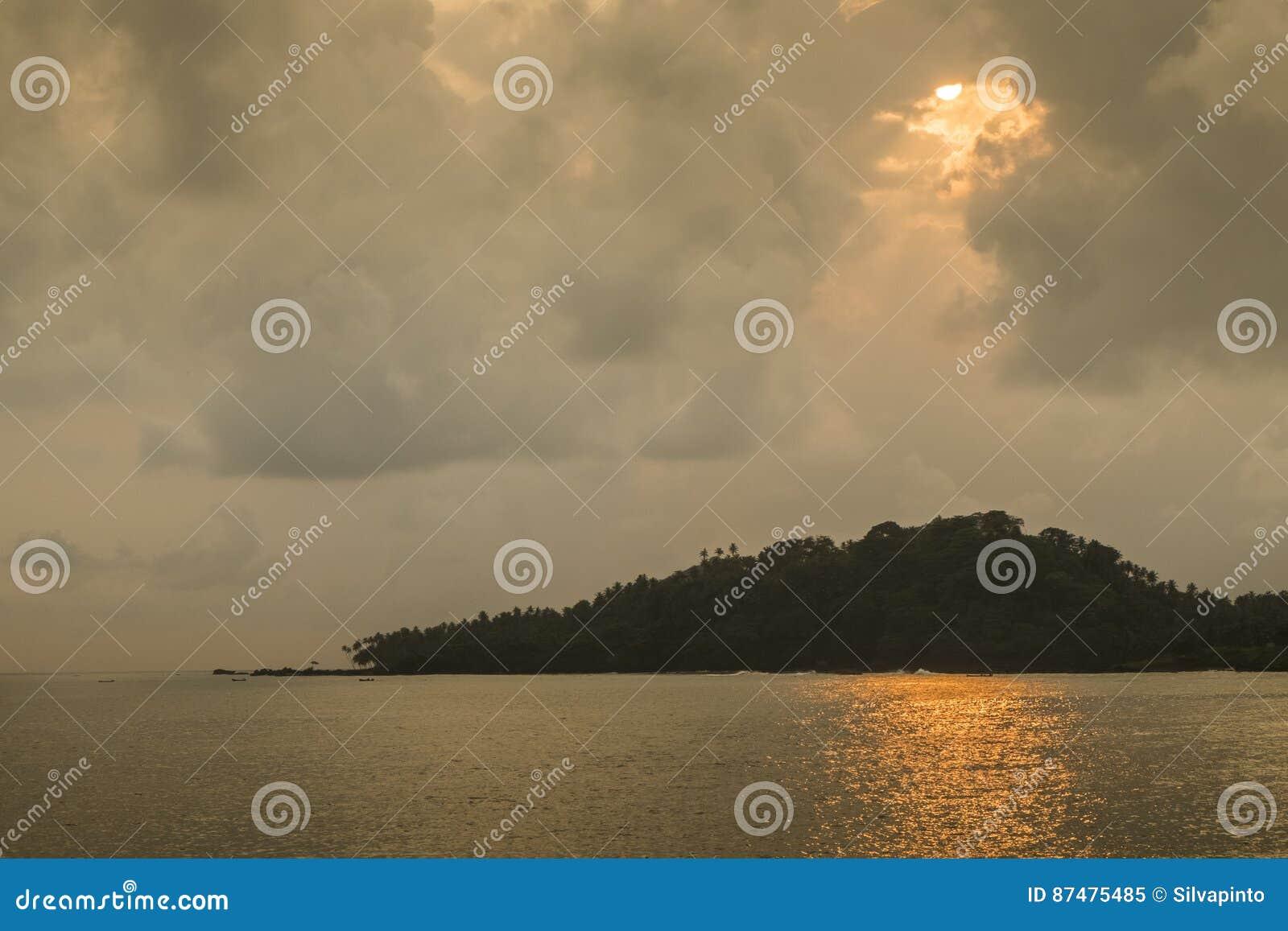Тропический остров Sao Tome