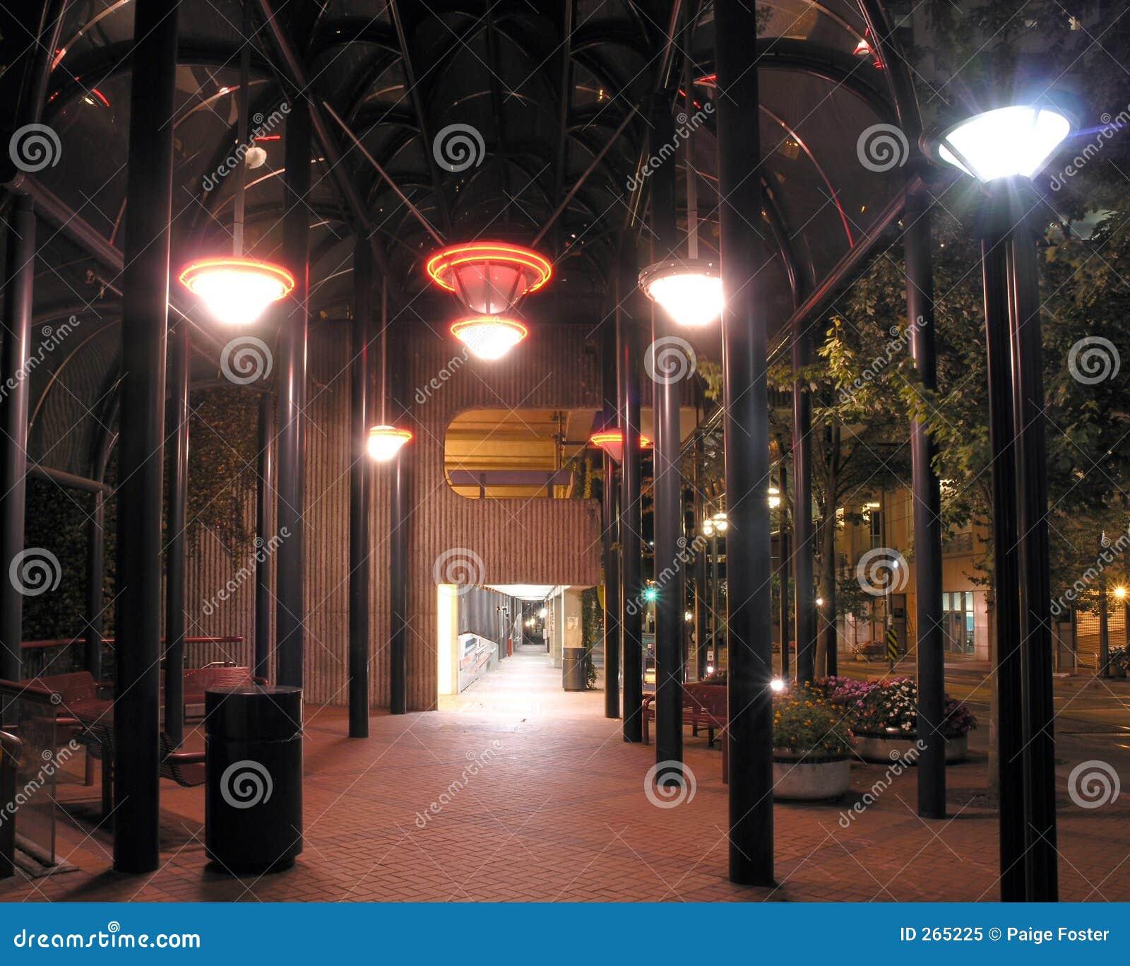 тротуар nighttime