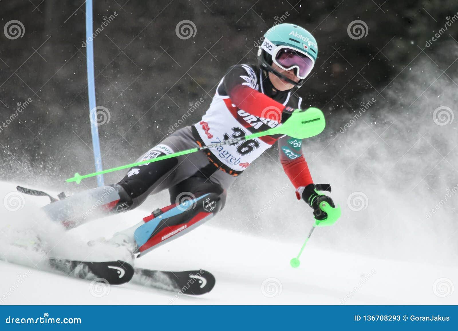 Трофей 2019 ферзя снега - слалом дам