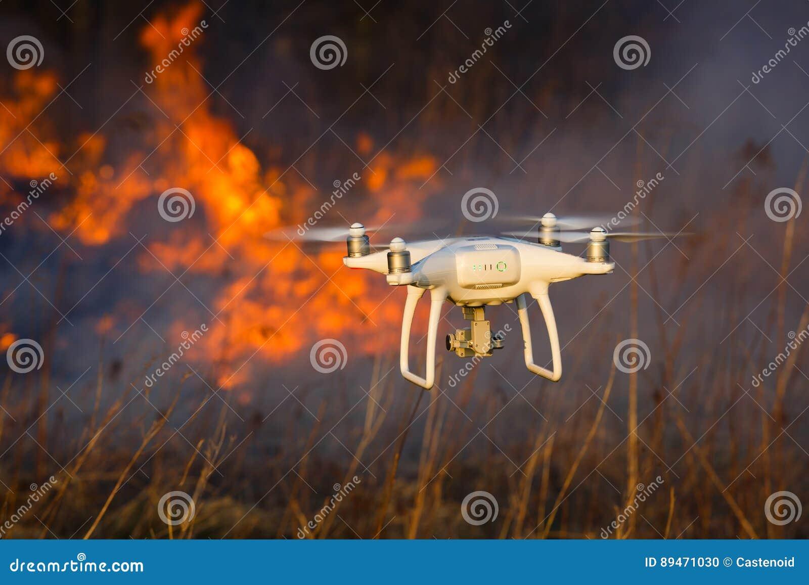 Трутень летания в огне