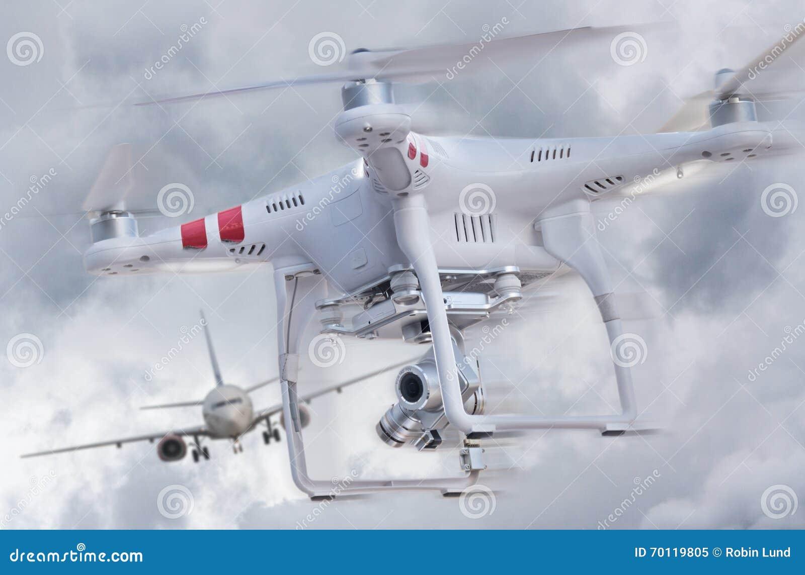 Трутень и самолет