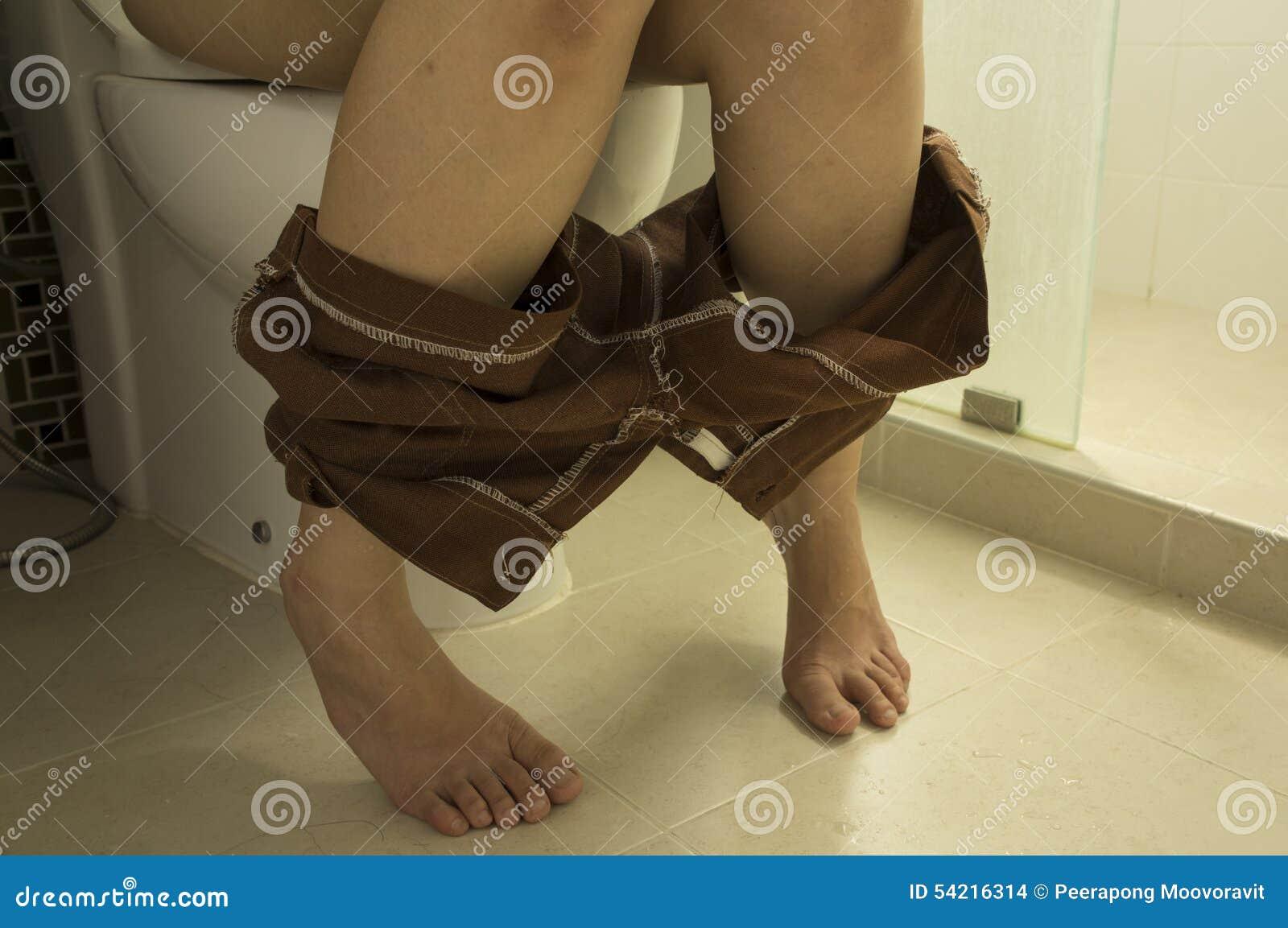 Секс в туалете с женщиной и мужчиной картинки женский