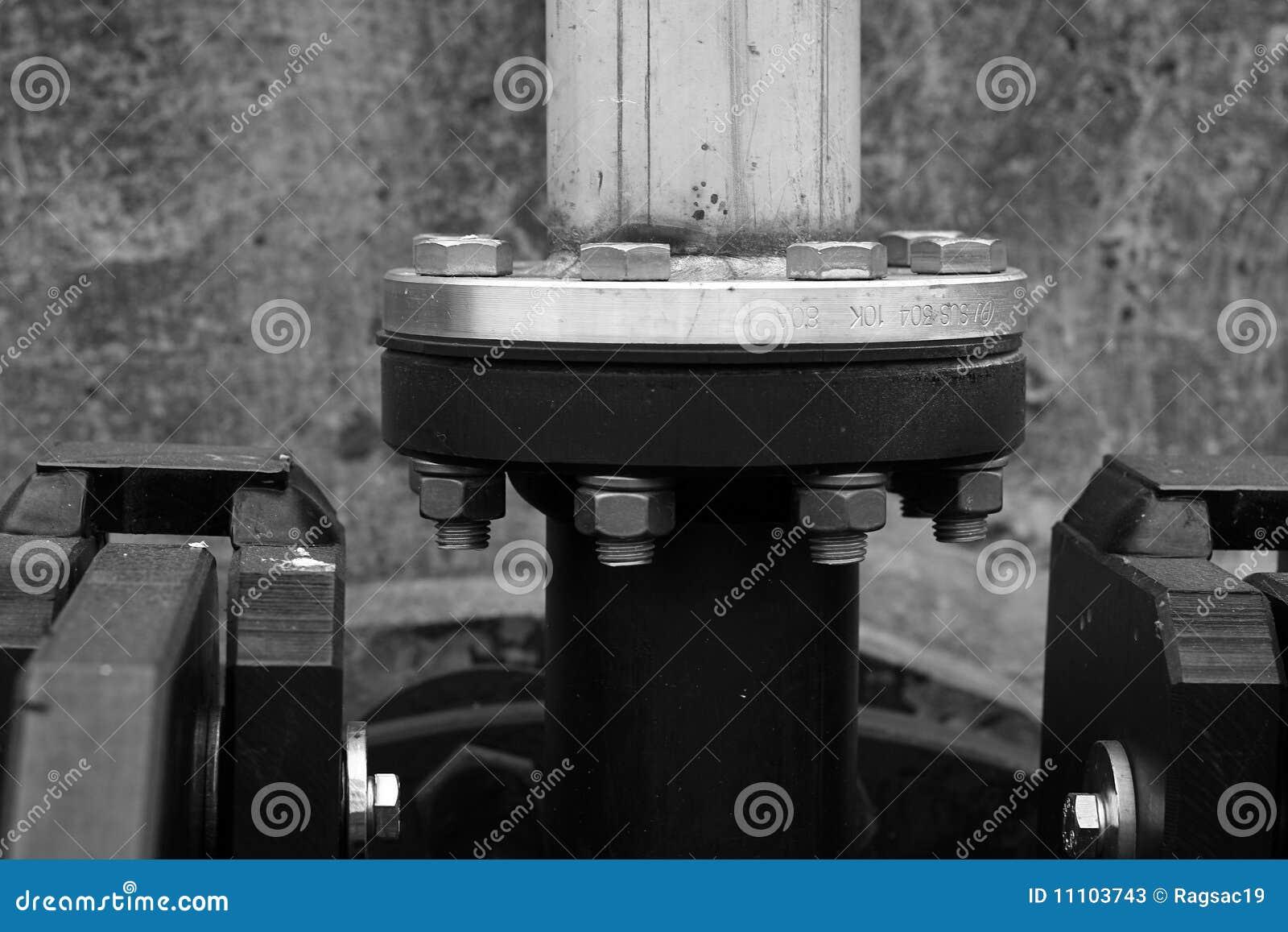 тубопровод фланца