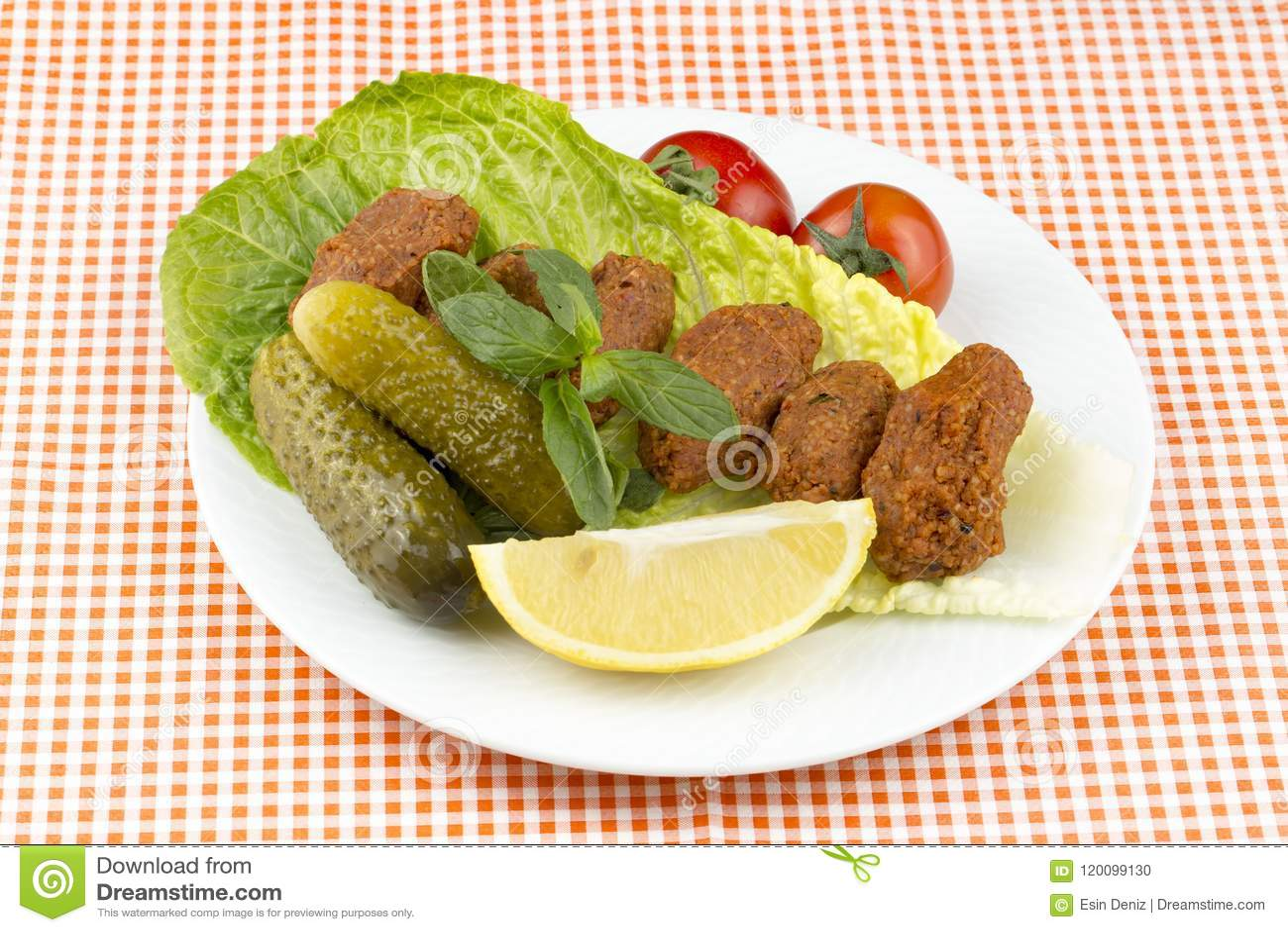 Турецкая еда; kofte сигарет