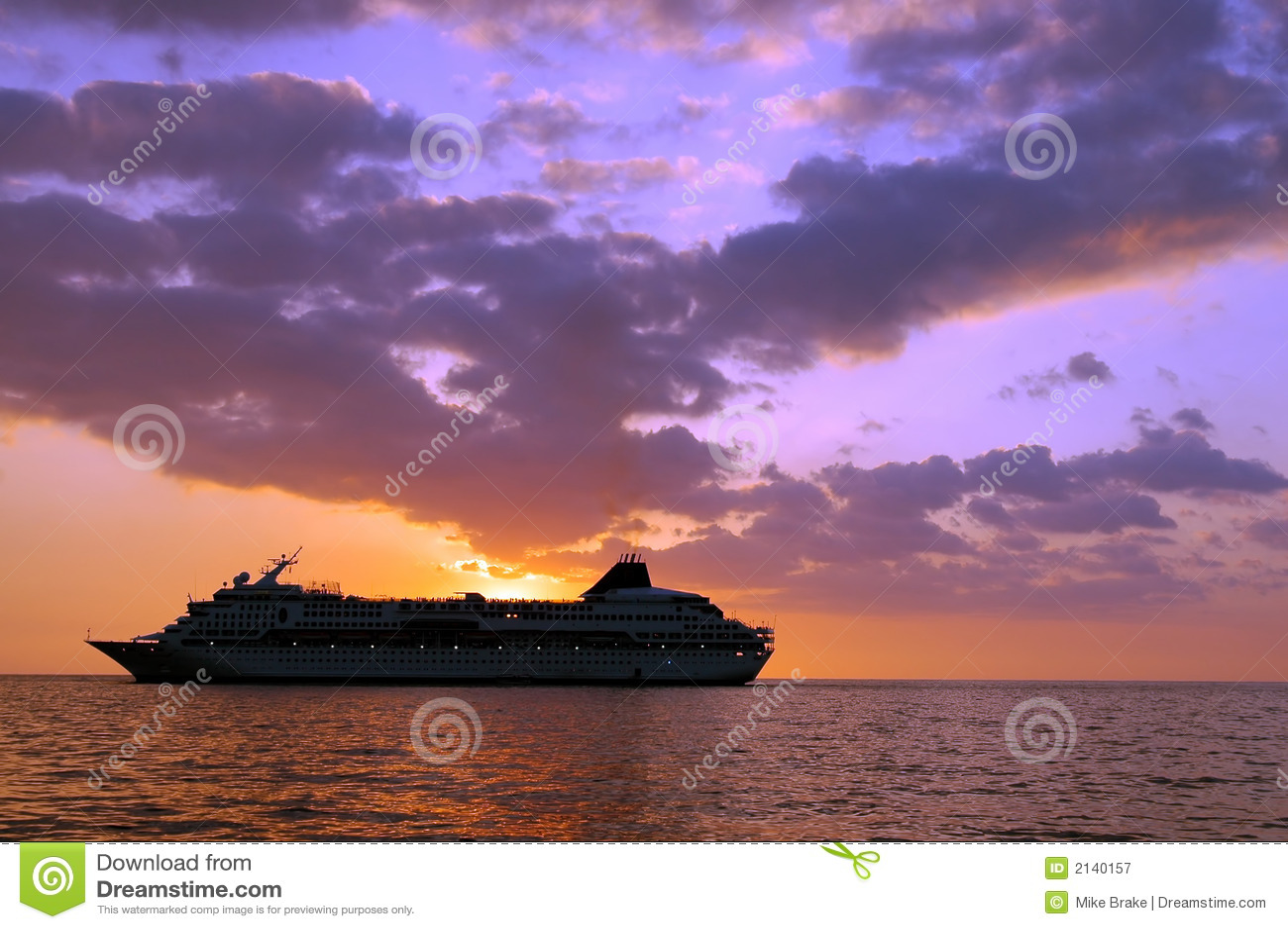 туристическое судно тропическое