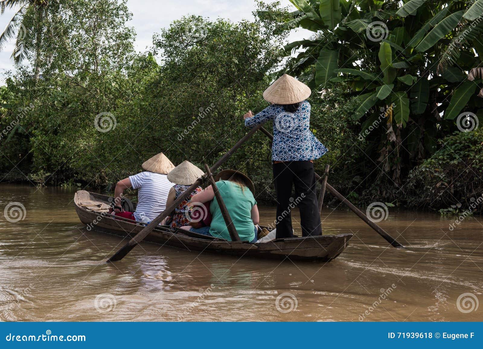 Туристская езда в перепаде Меконга