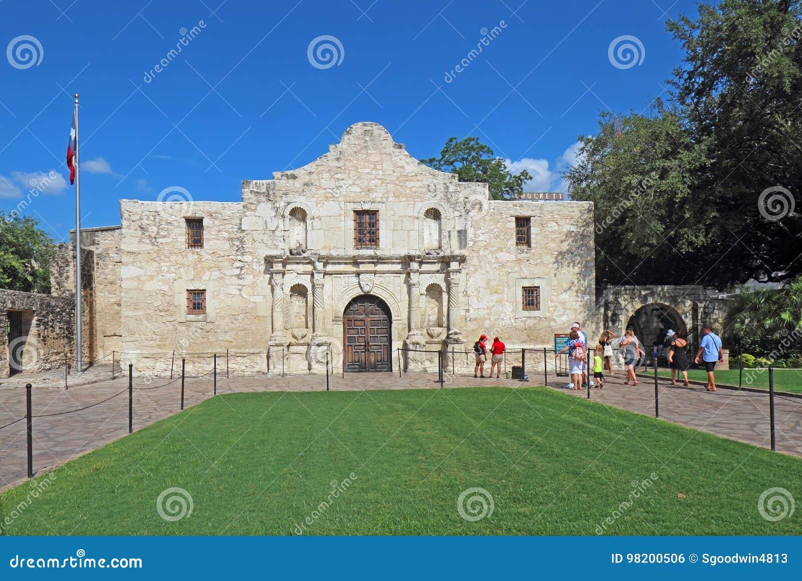Download Туристы на Alamo в Сан Антонио, Техасе Редакционное Фото - изображение насчитывающей город, католическо: 98200506