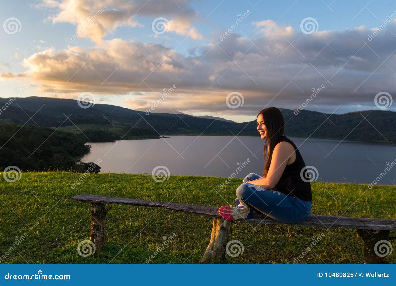Турист на озере Коут