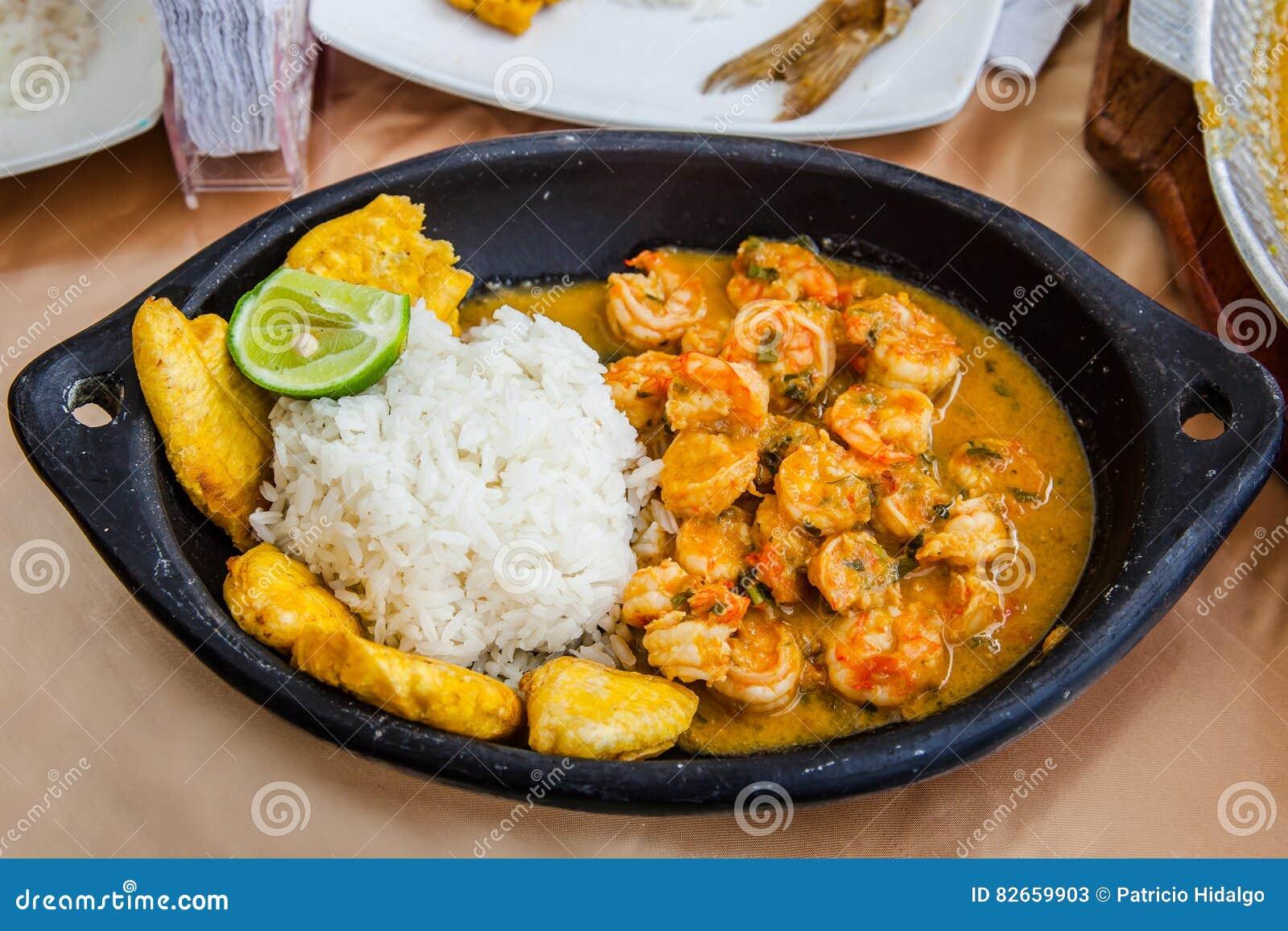 Тушёное мясо креветки кокоса