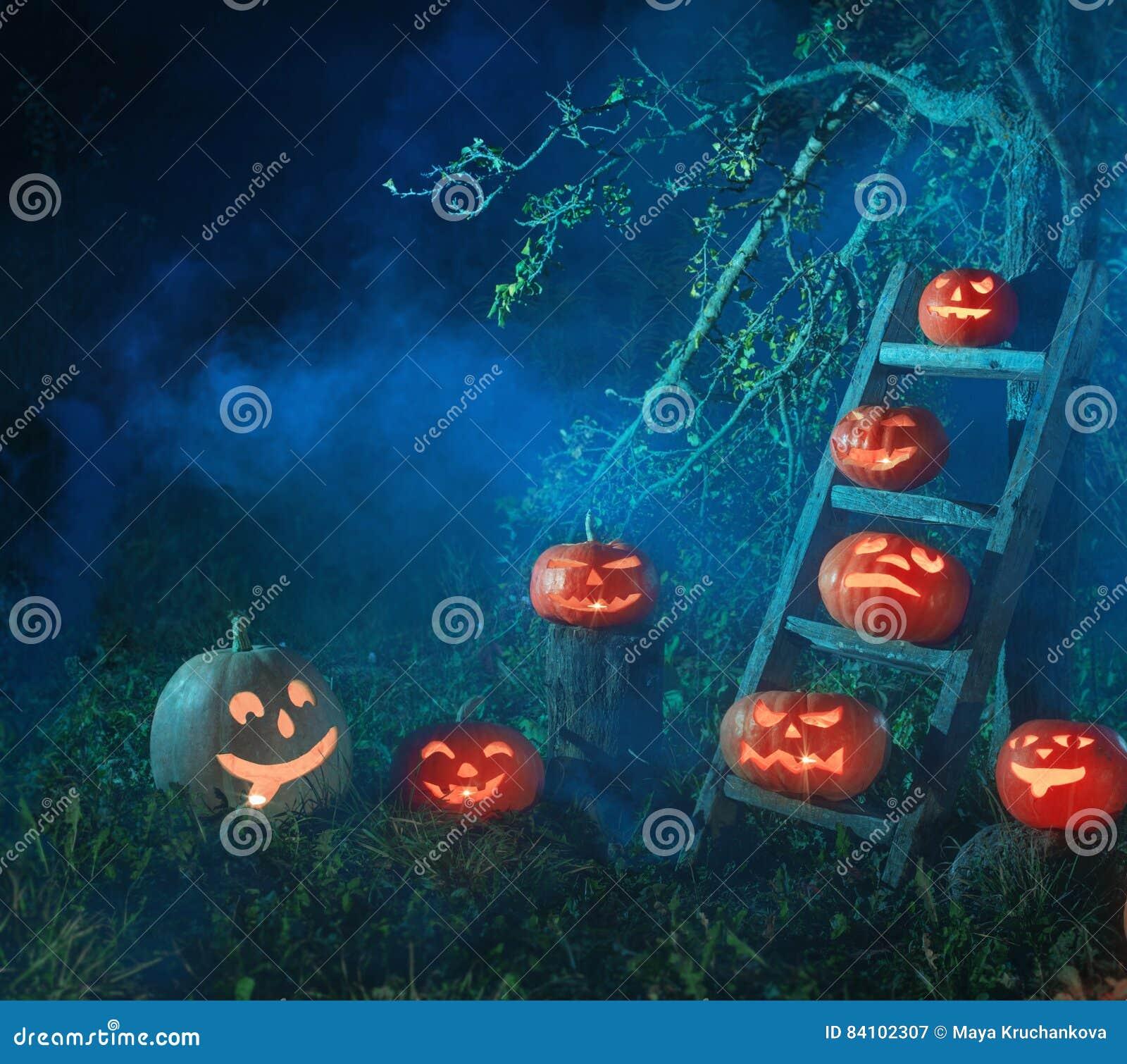 Тыквы Джек-o-фонарика хеллоуина