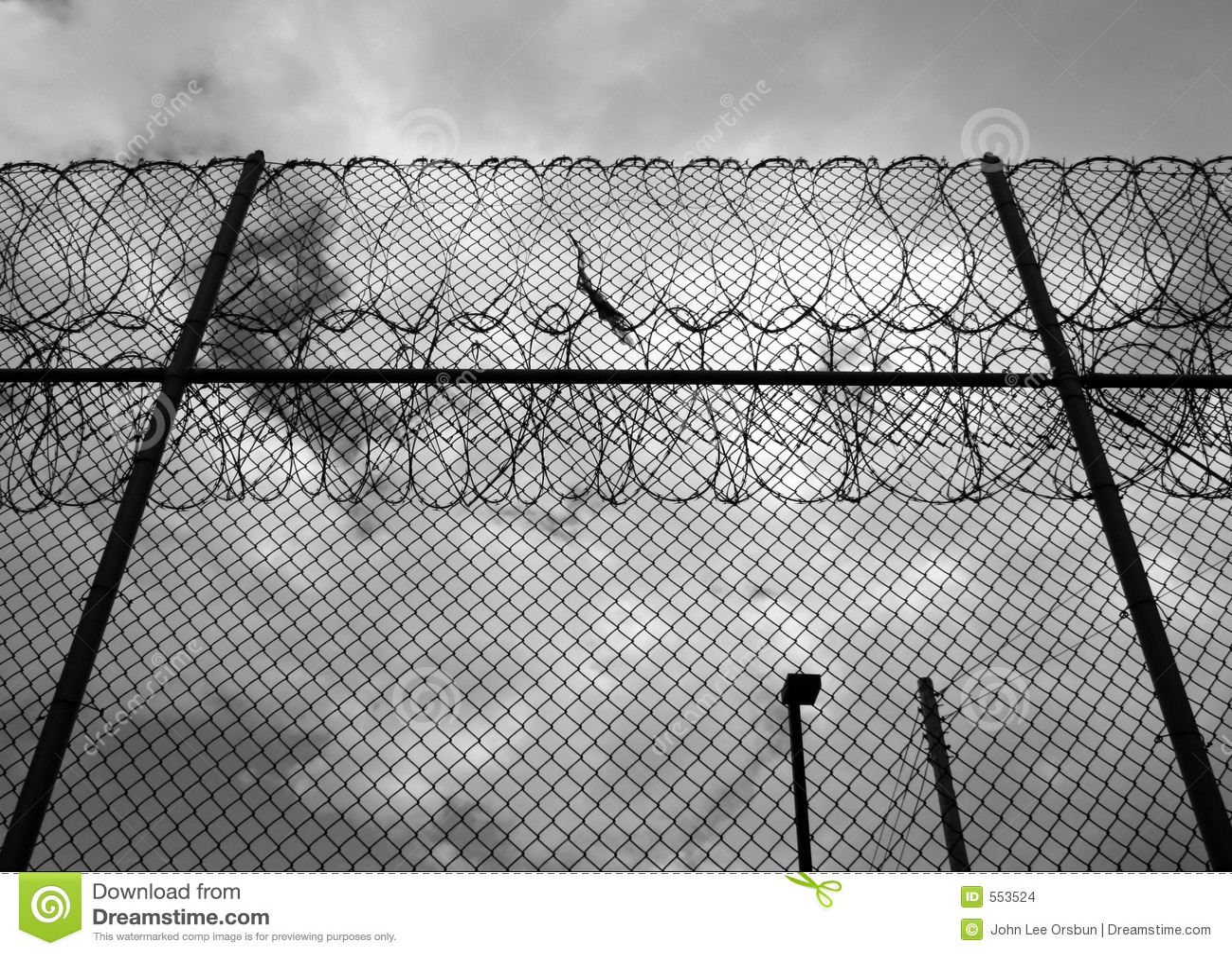 тюрьма загородки
