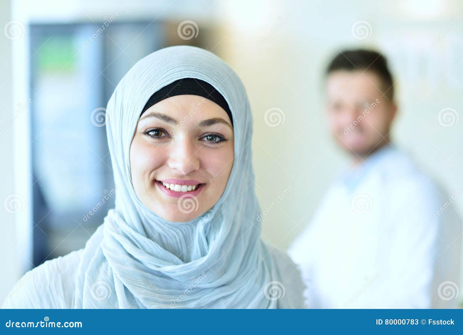 Уверенно мусульманское представление студент-медика на больницу