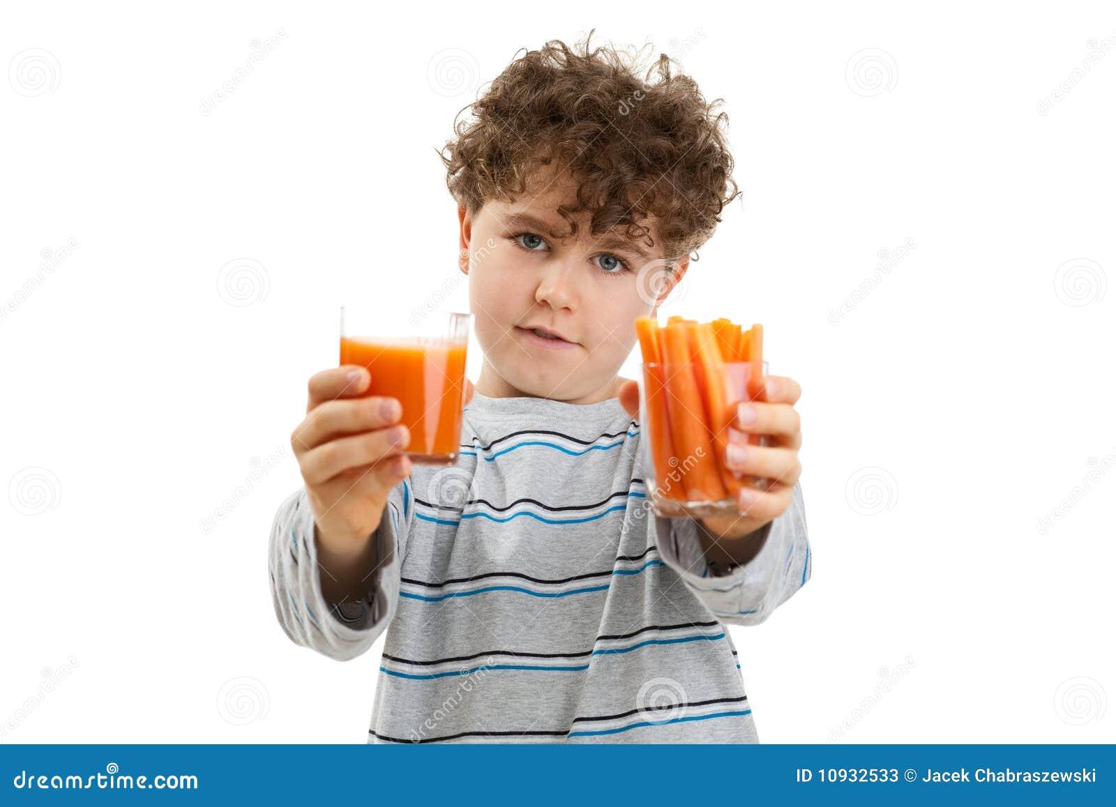 удерживание морковей мальчика свежее