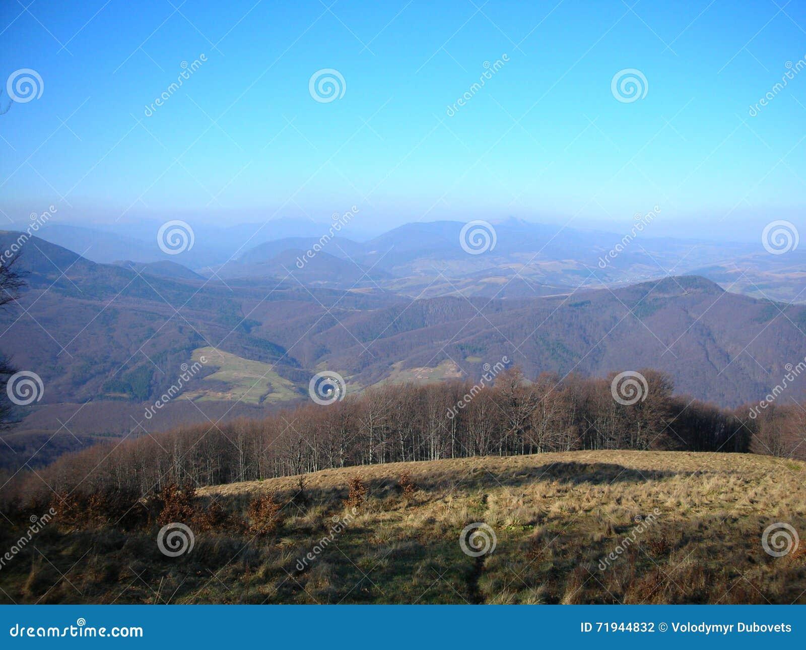 Украина прикарпатский взгляд сверху гор