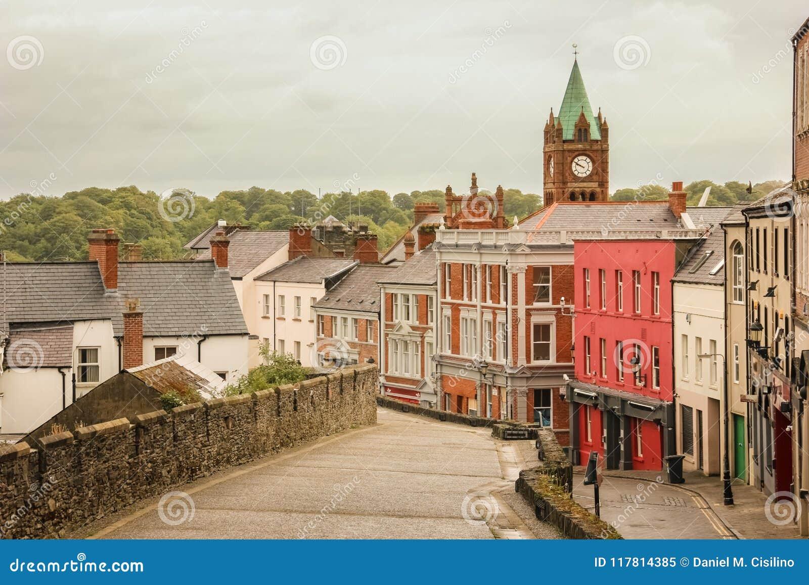 Улица кассеты Derry Лондондерри Северная Ирландия соединенное королевство