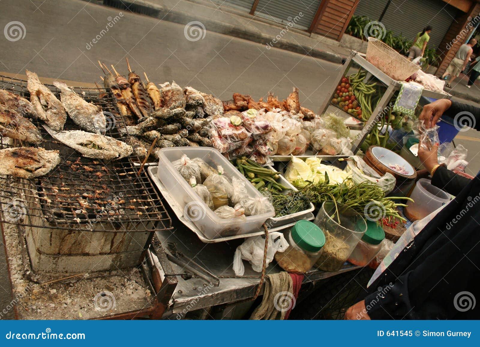 Download улица Таиланд еды bangkok стоковое изображение. изображение насчитывающей решетка - 641545