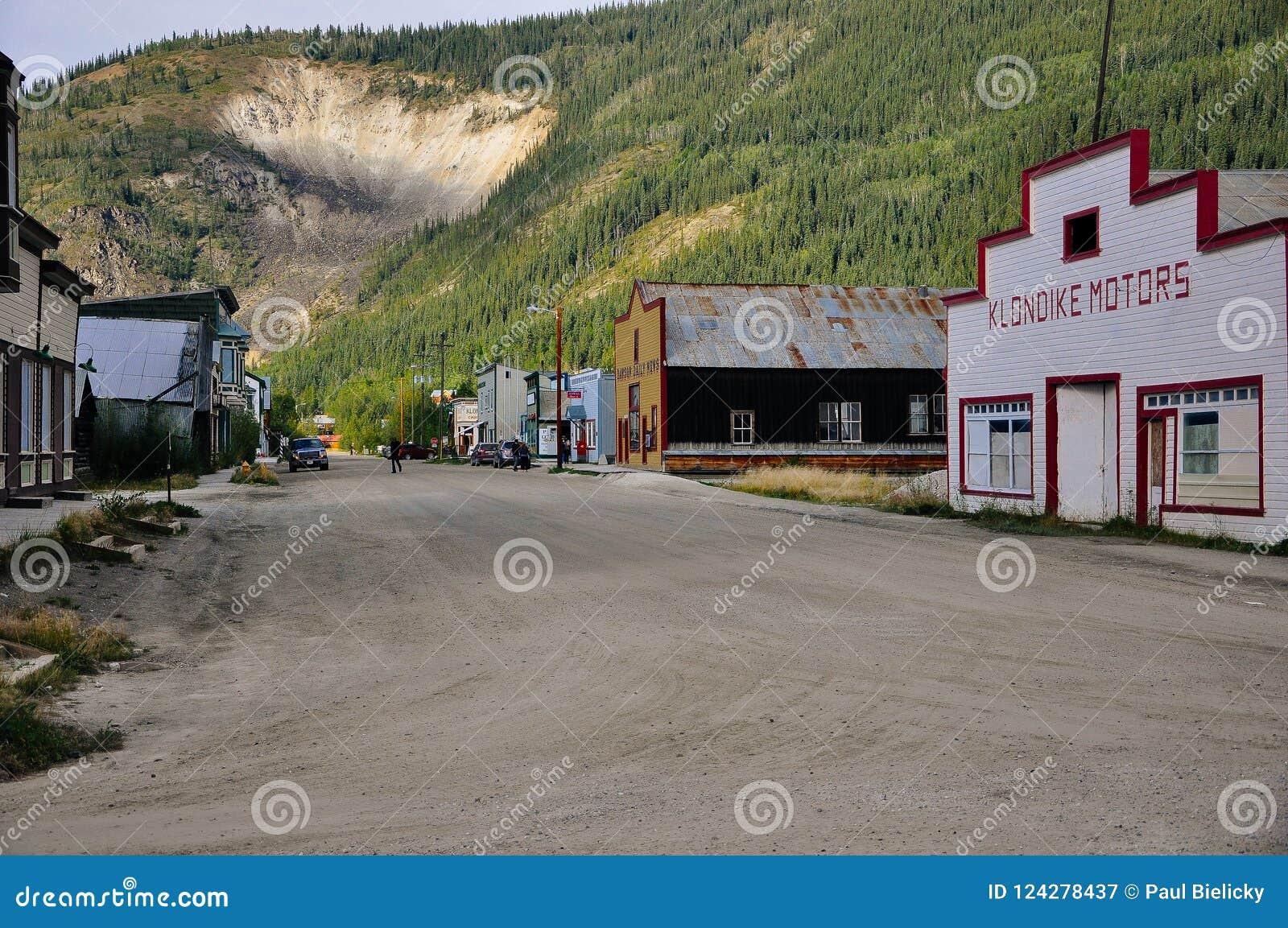 Улицы города Dawson, Юкона