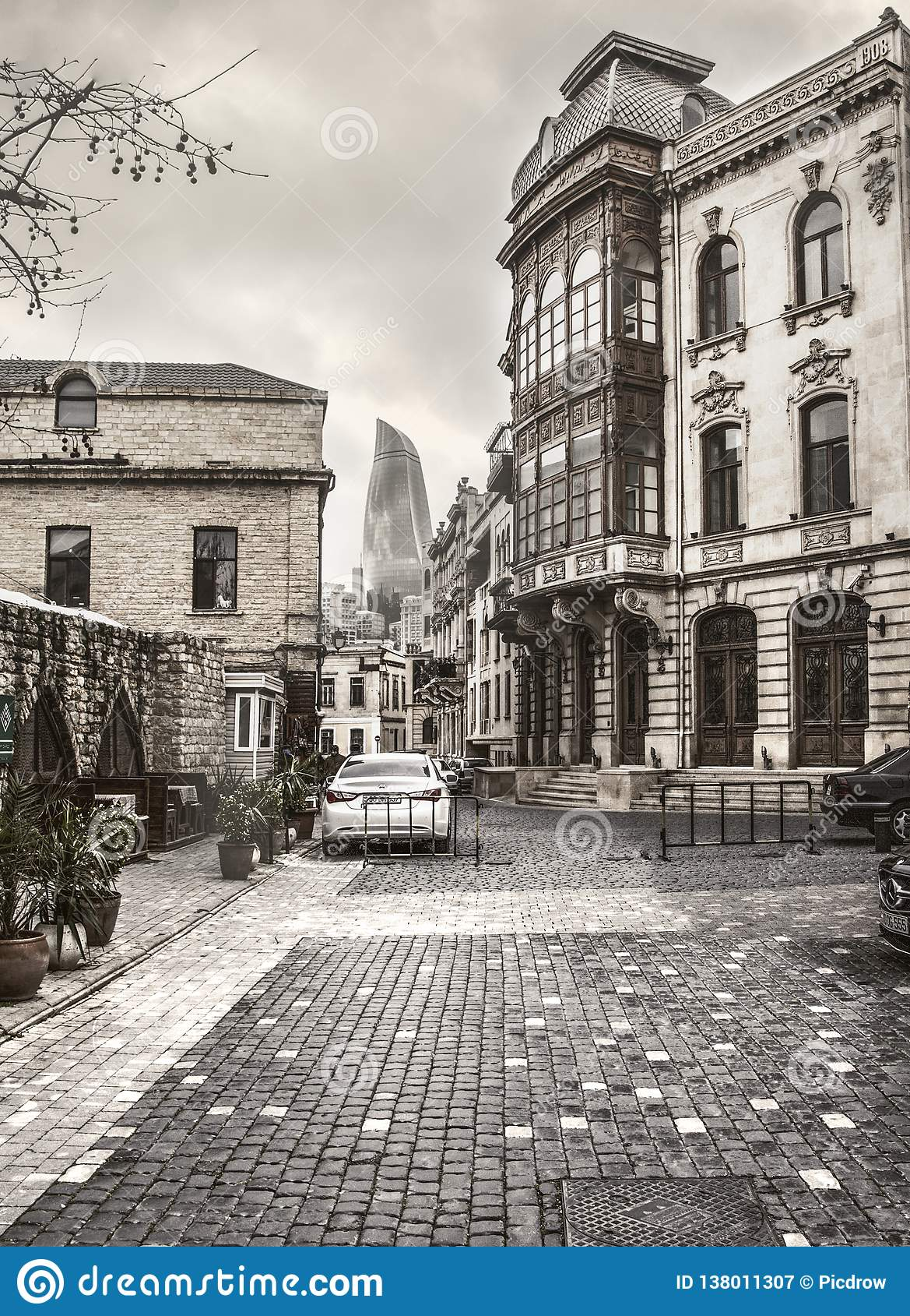 Улицы дома Баку Азербайджана здания рынка старой исторические