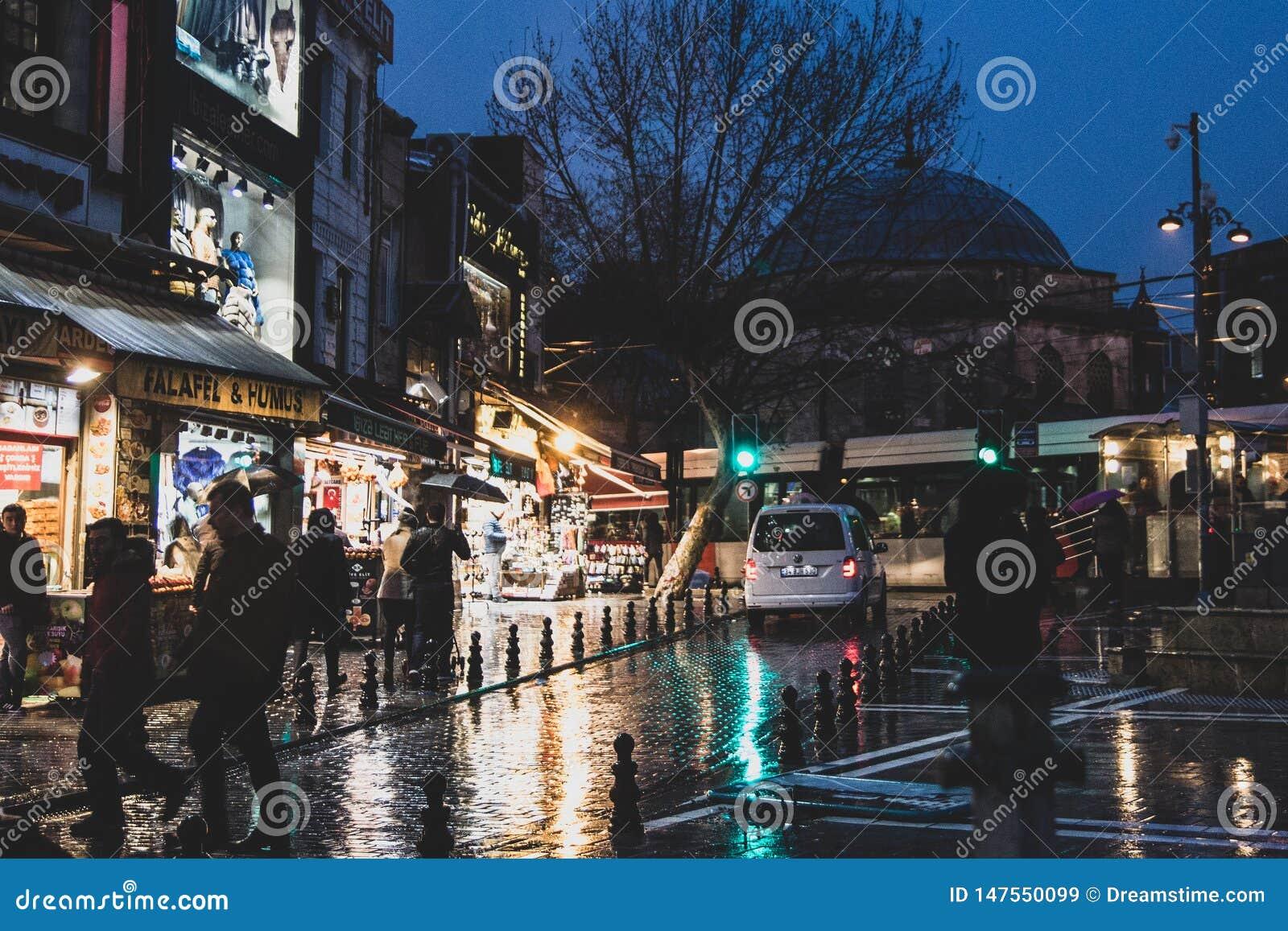Улицы Стамбула около гранд-базара