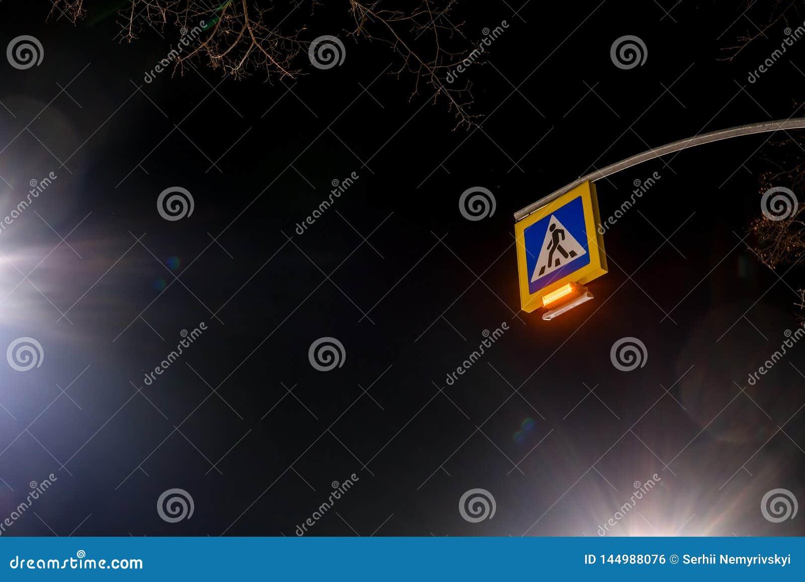 Уличное освещение, поддержки для потолков с лампами приведенными конц