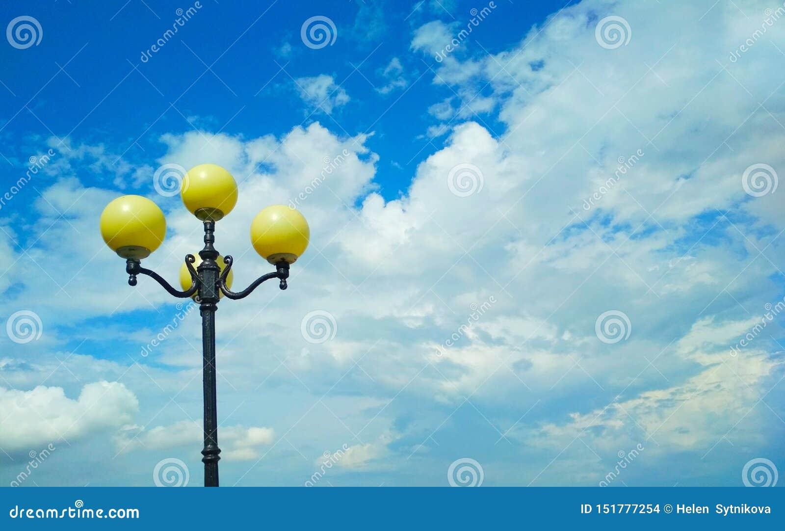 Уличный свет, архитектурноакустическое решение
