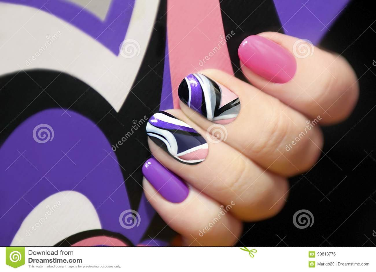 Фиолетовый и розовый в маникюре