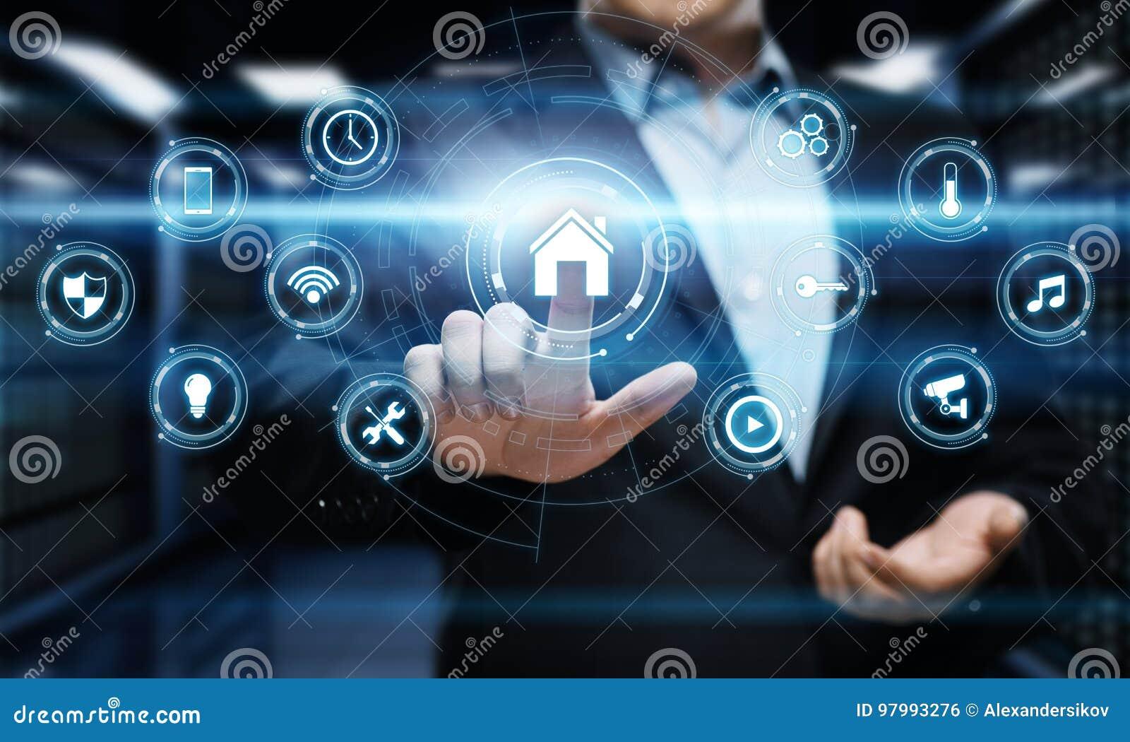 Умная система управления домашней автоматизации Концепция интернета технологии нововведения