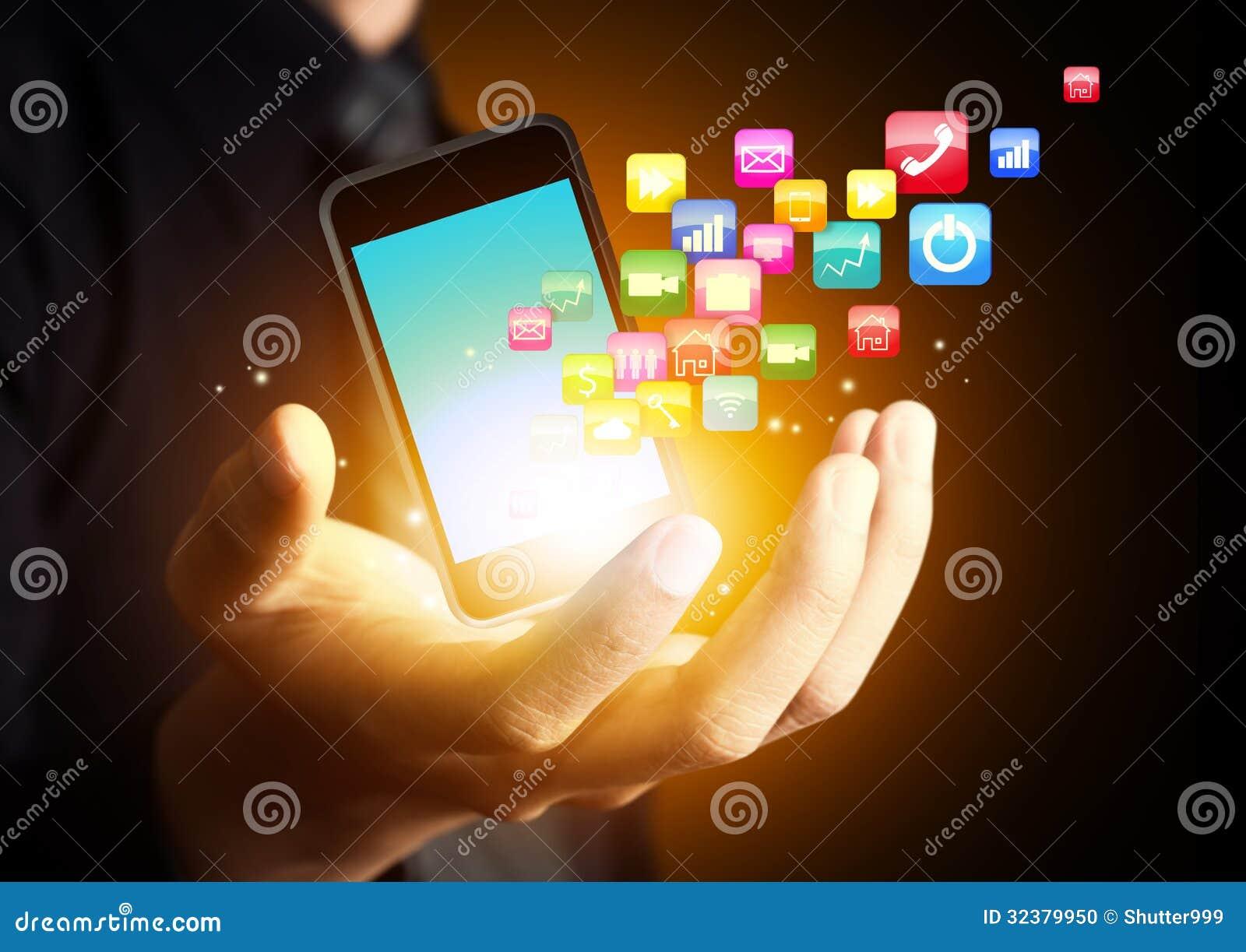 Умный телефон с облаком применения