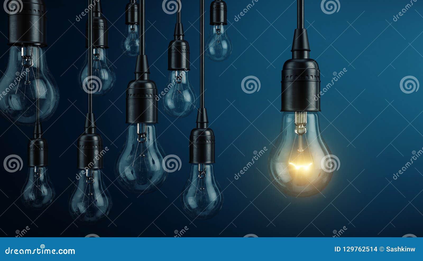 Уникальный, руководство, новая концепция идеи - одна лампа электрической лампочки накаляя отличающийся и стоя вне от другие лампы
