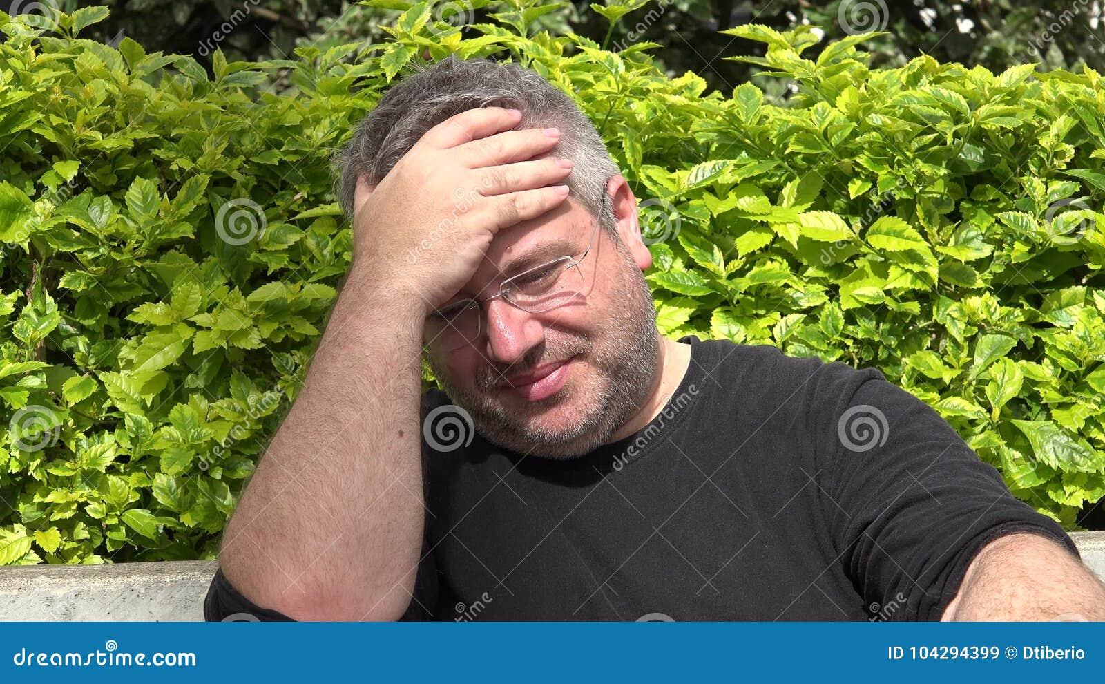 Картинки по запросу фото мужчина унылый