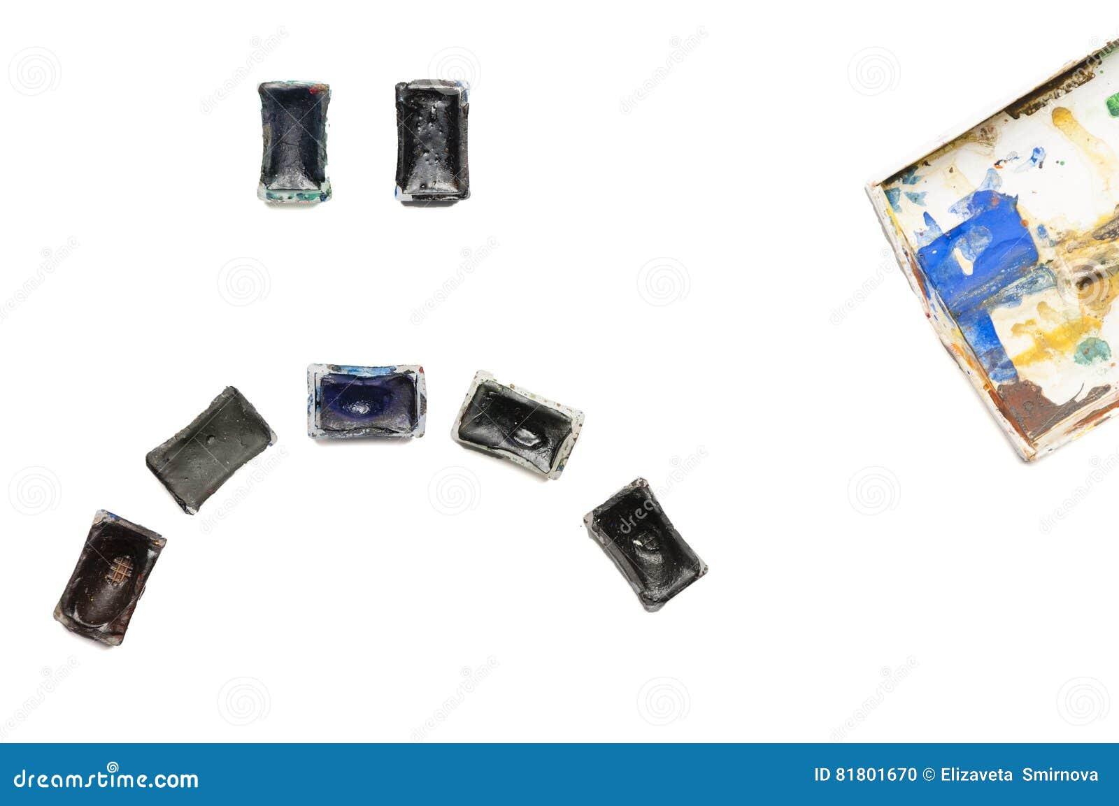 Унылый smiley сделанный из используемых старых темных красок акварели на белой предпосылке Депрессия и кризис во время творческог