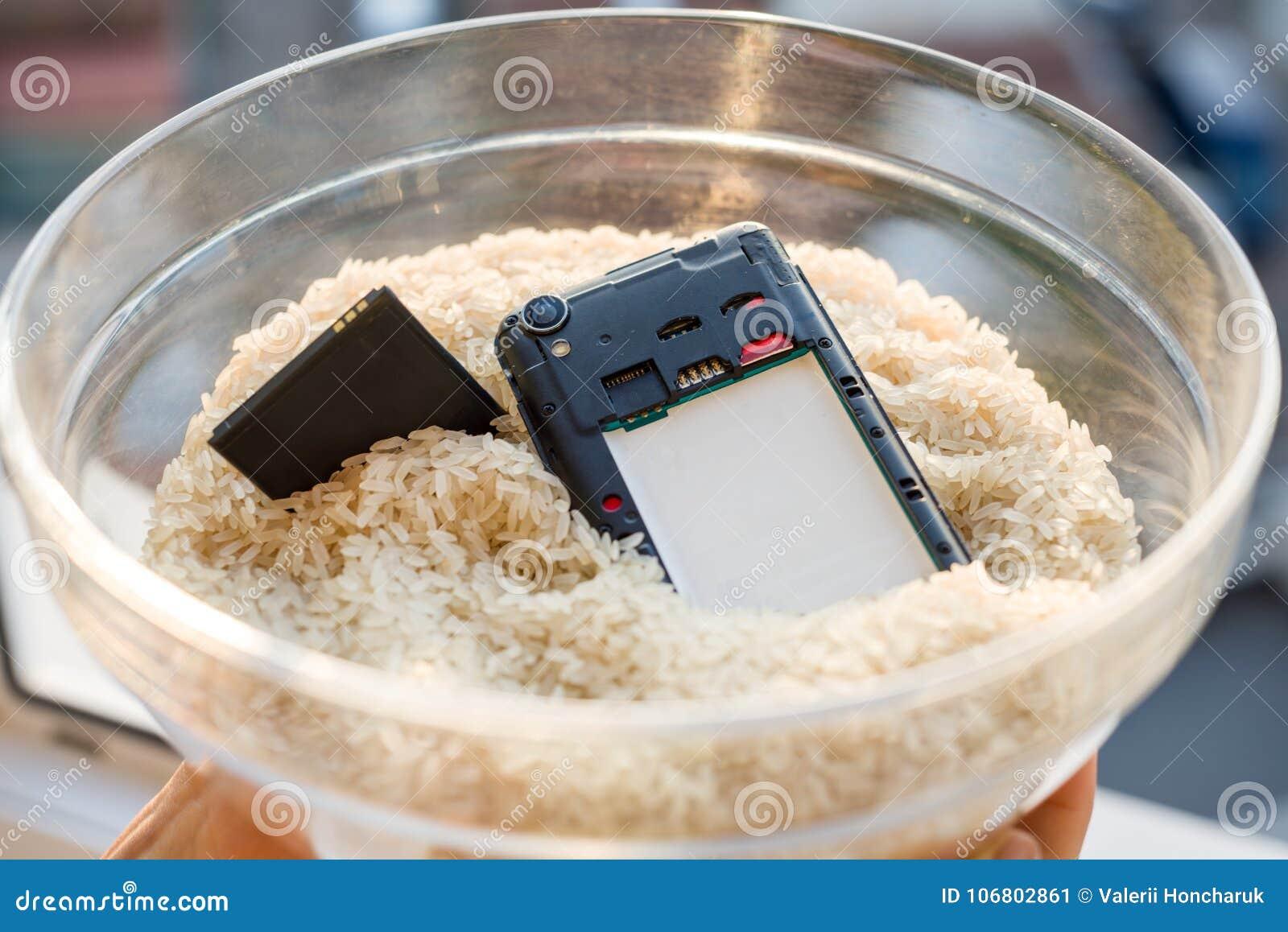 Упал ваш телефон в воде - починка рис