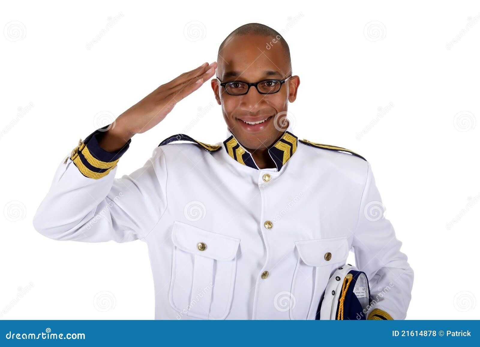 управляющий корабля салюта круиза афроамериканца