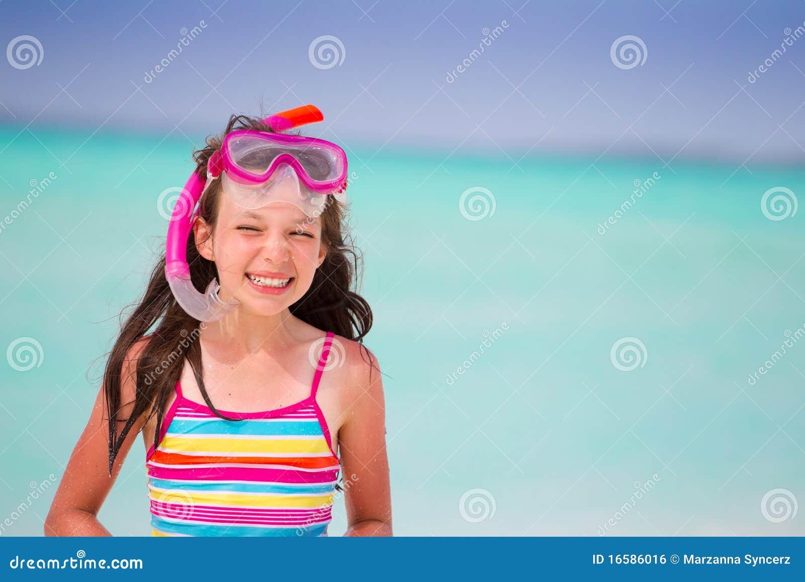 усмехаться девушки пляжа