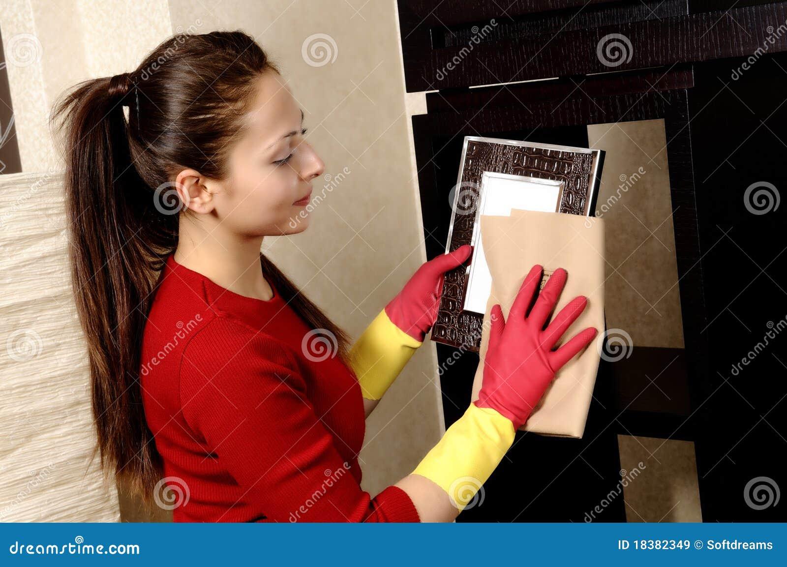 усмехаться дома девушки чистки