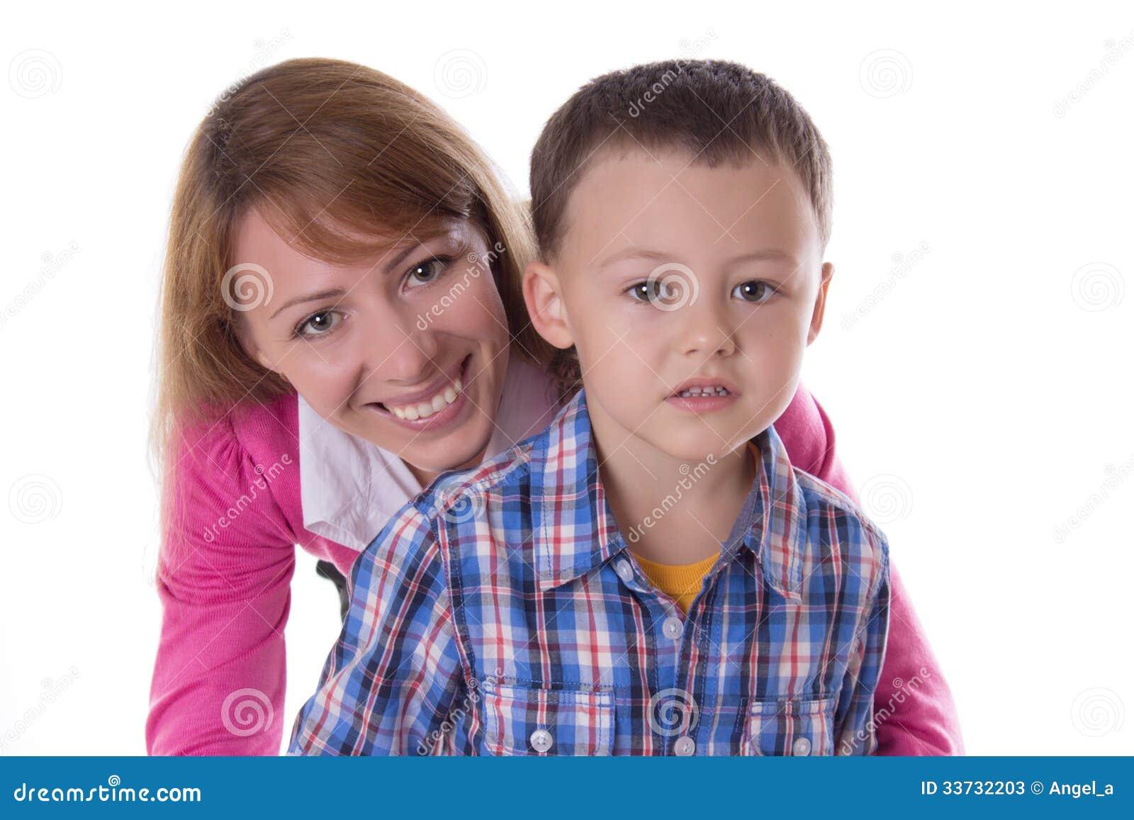 Усмехаясь мать и сын