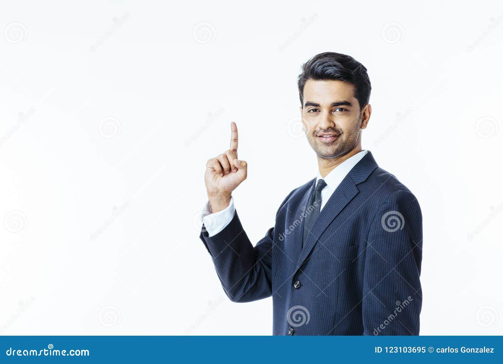 Успешный бизнесмен предпринимателя указывая вверх