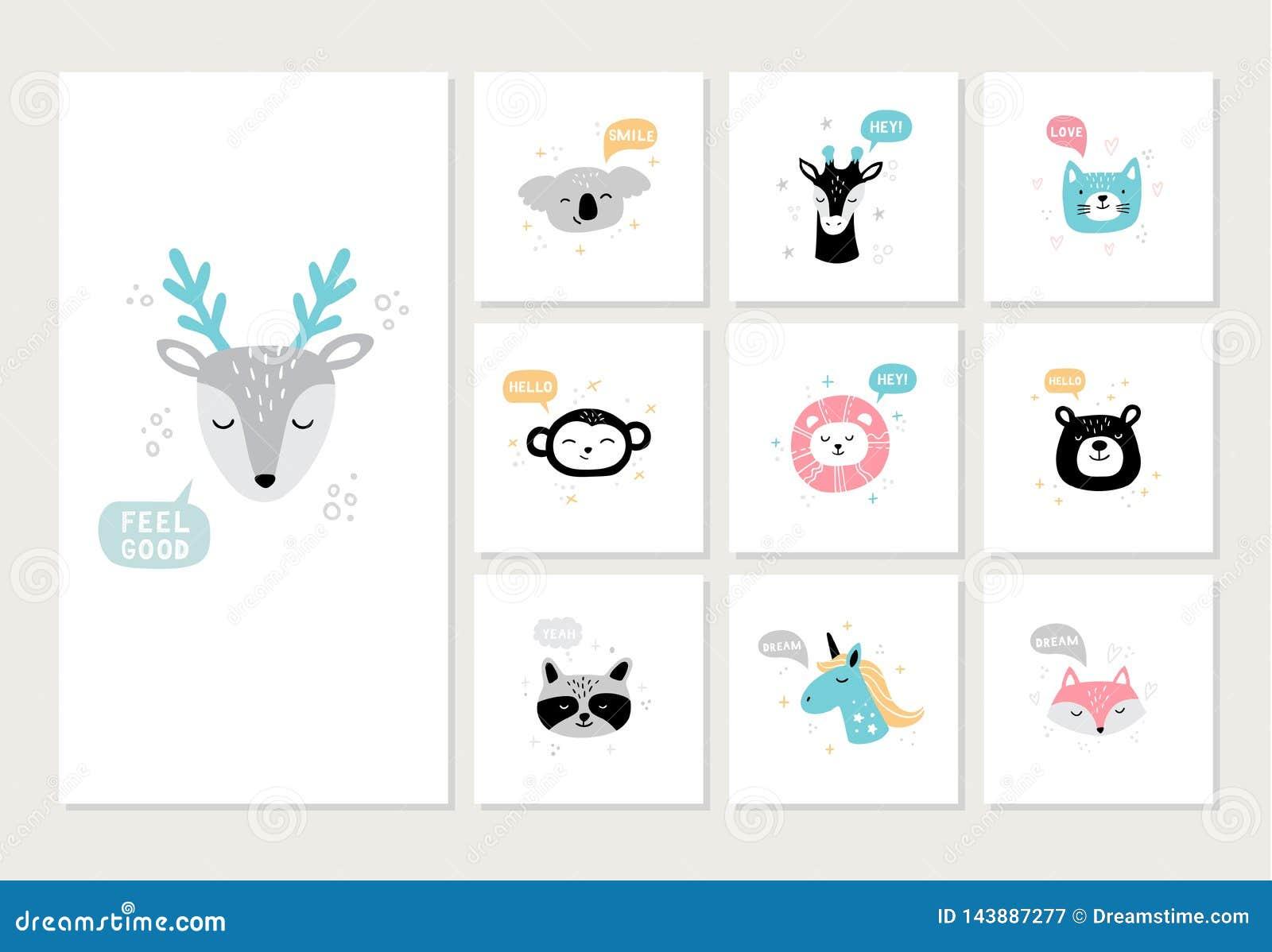 Установите милых нарисованных вручную животных на открытках Стороны мультфильма оленей, коалы, обезьяны, енота, льва, медведя, ли