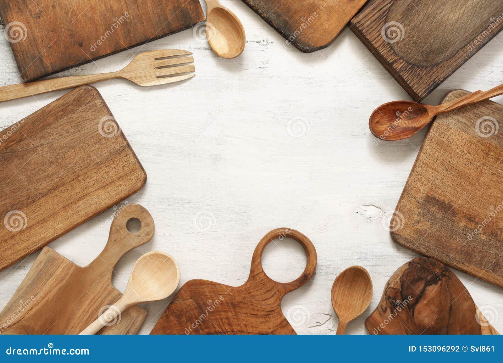 Установите различных утварей кухни