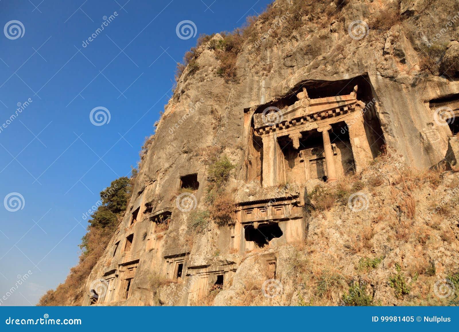 Усыпальницы утеса в Fethiye, Турции