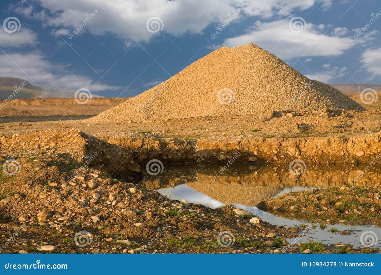 утес камушков конструкции готовый к использовано