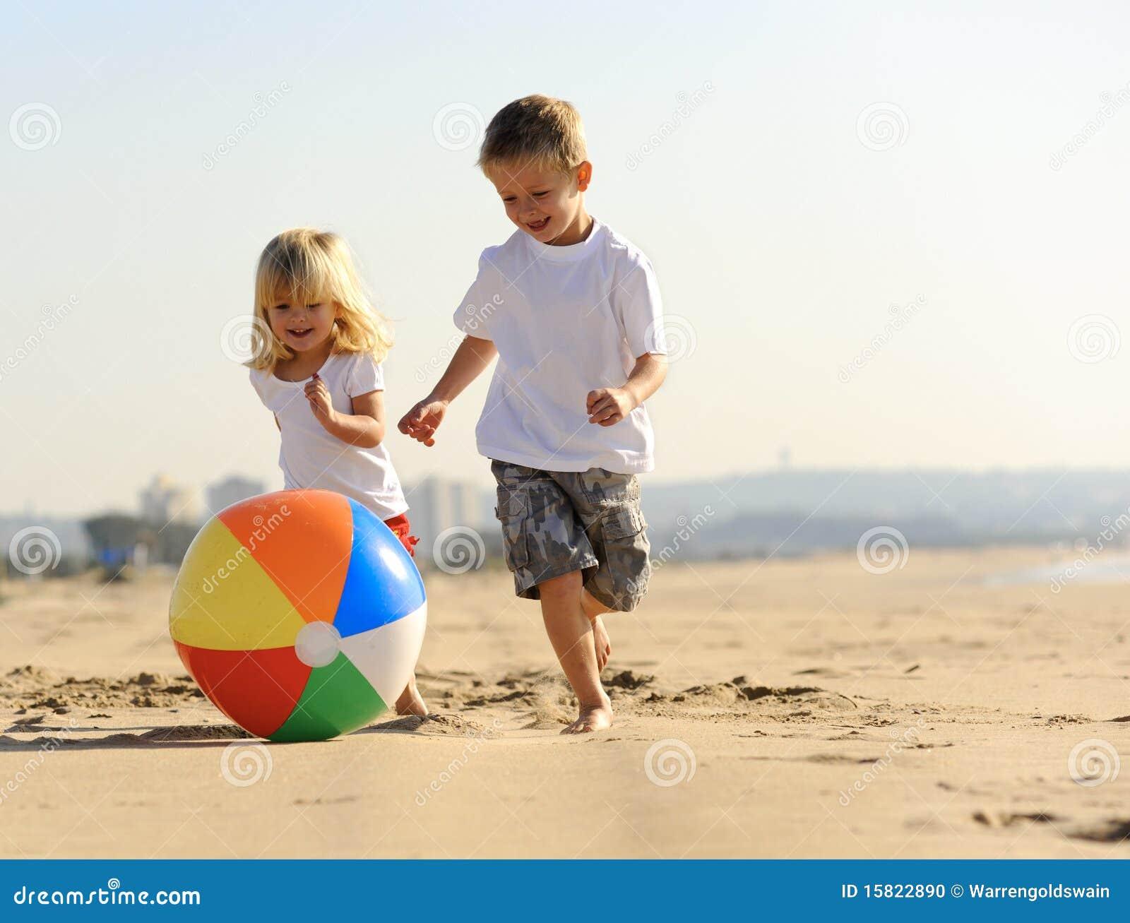 Утеха шарика пляжа