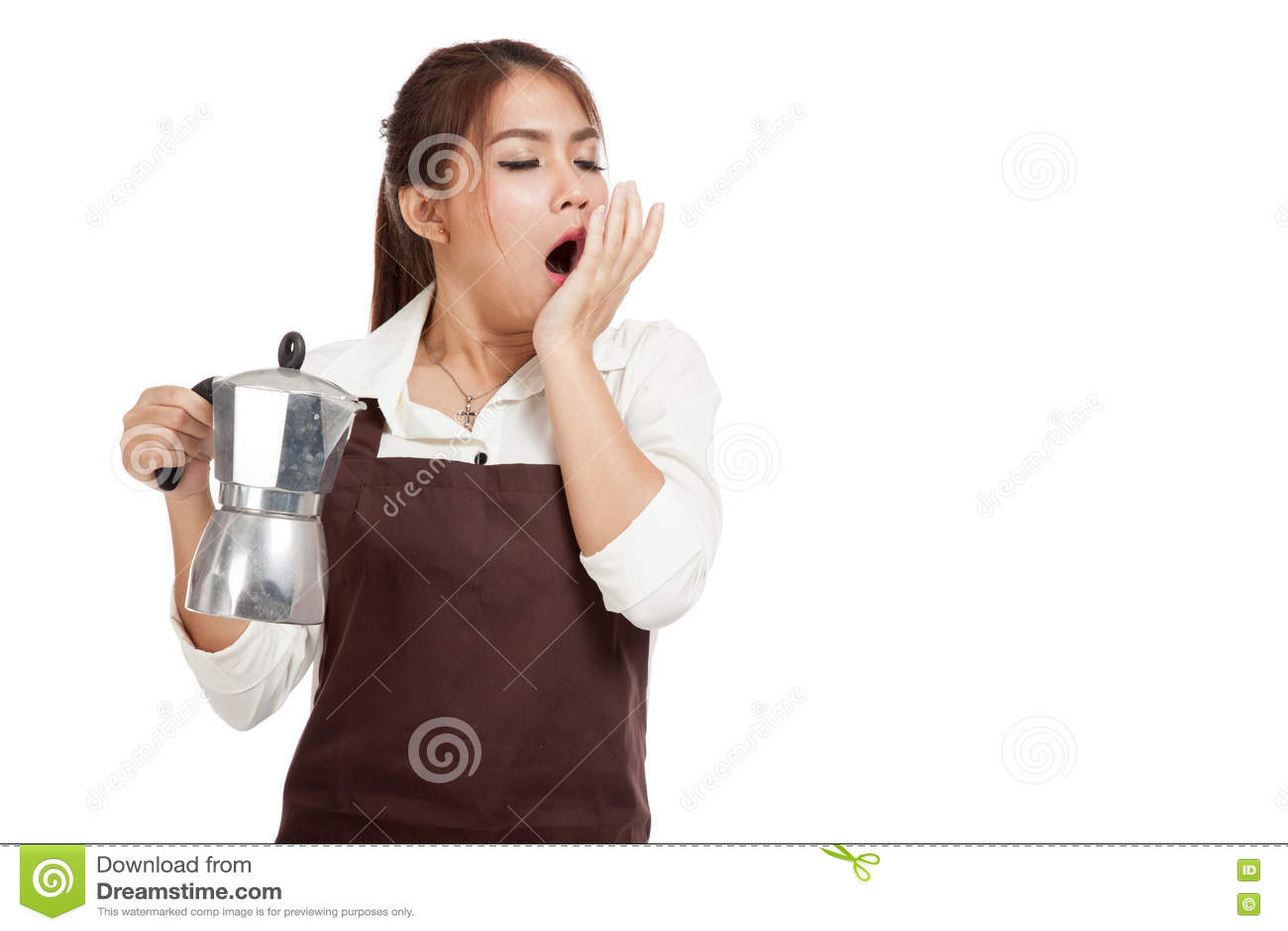 Утомленный азиатский зевок девушки barista с баком Moka кофе
