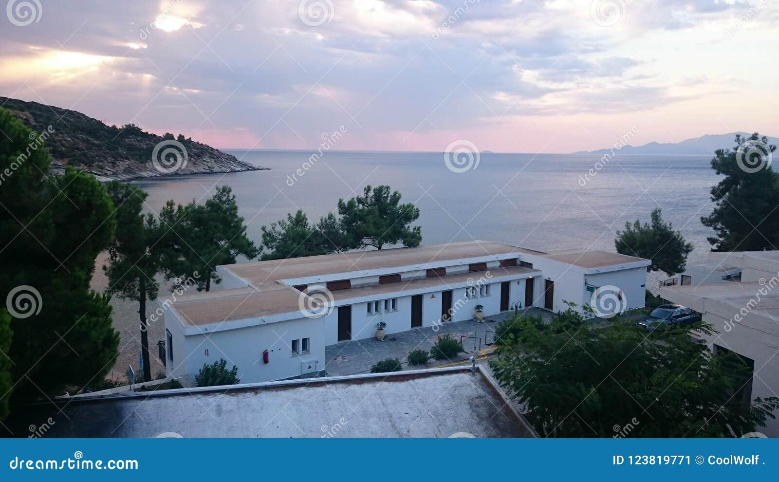 Утро на пляже Tosca
