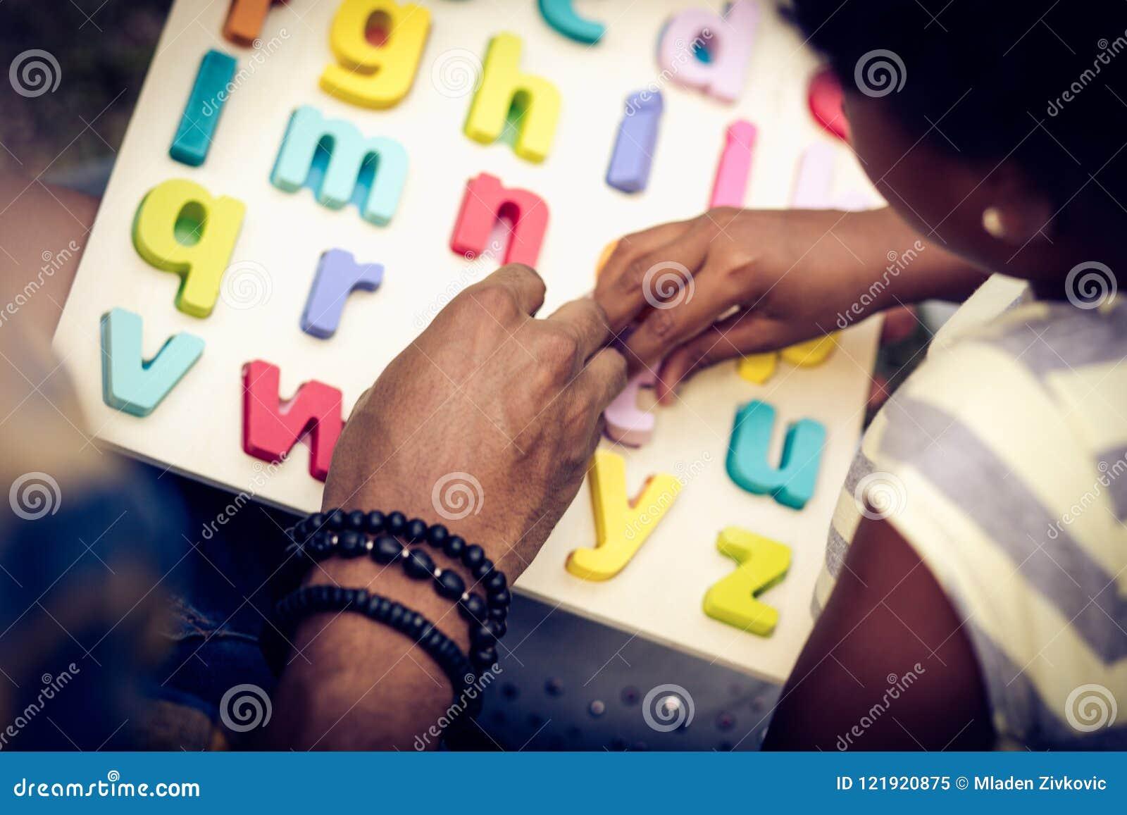учить алфавита