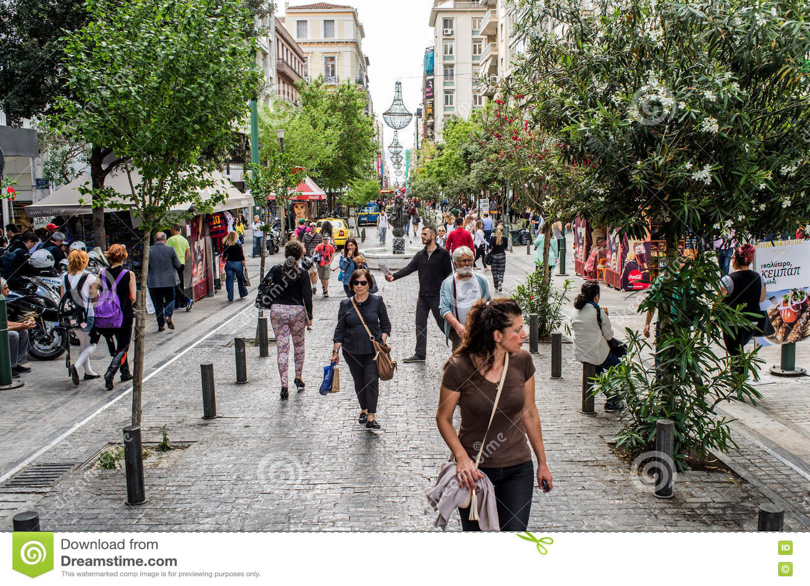 Улица Ermou в Афинах