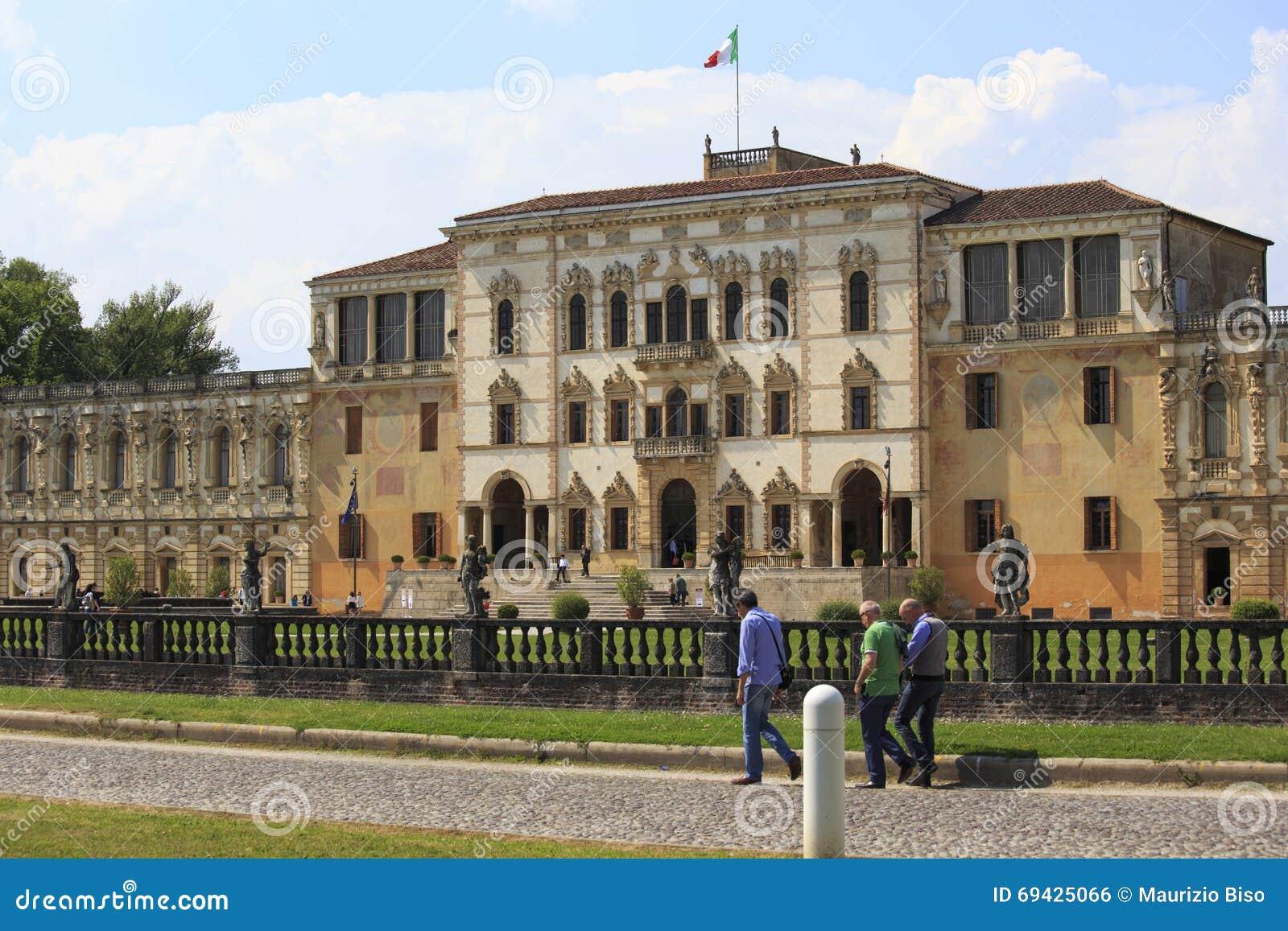Фантастичная вилла Contarini в sul Brenta Piazzola в Италии