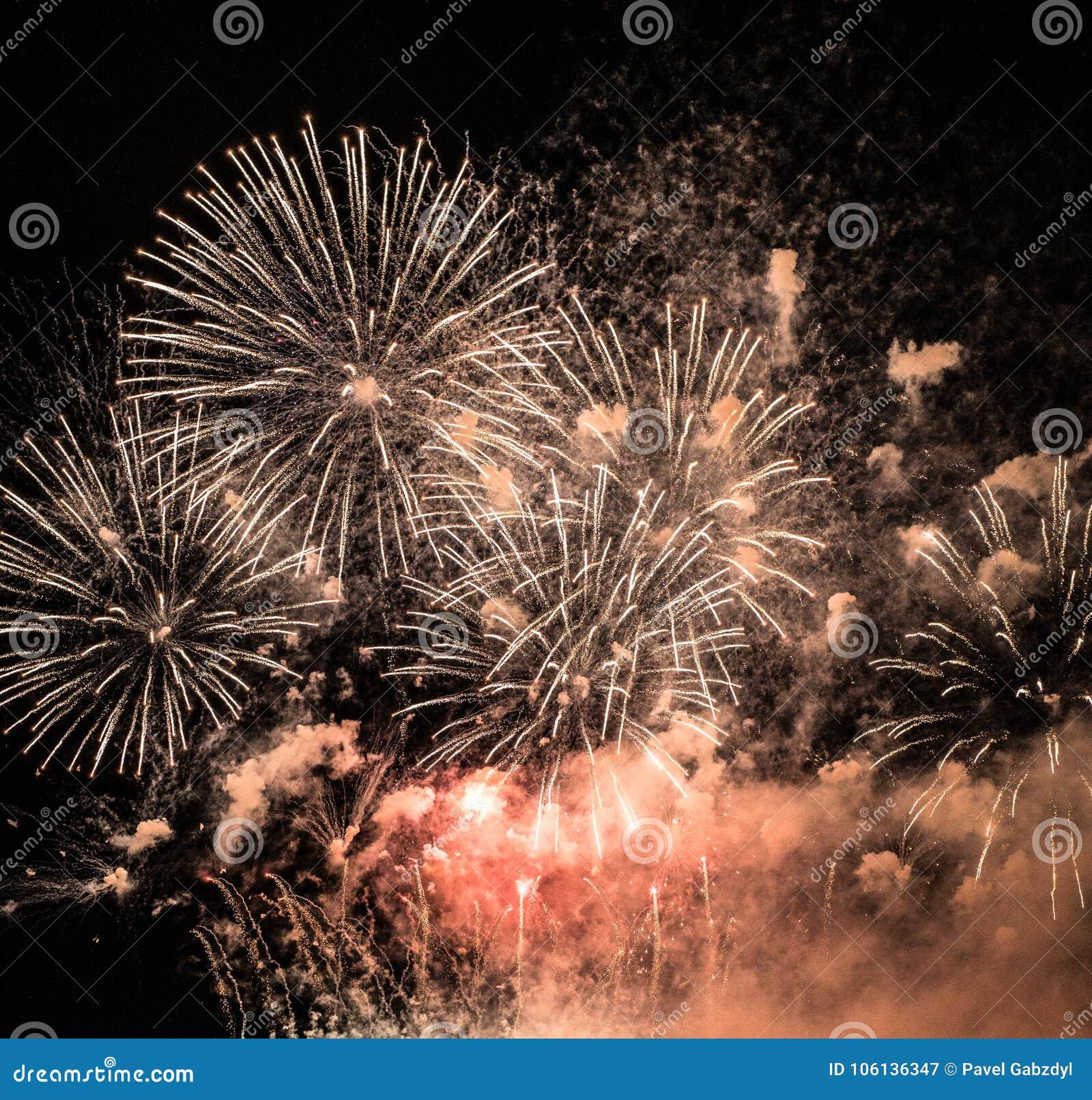 Фейерверки новые Spectacular Year's Eve