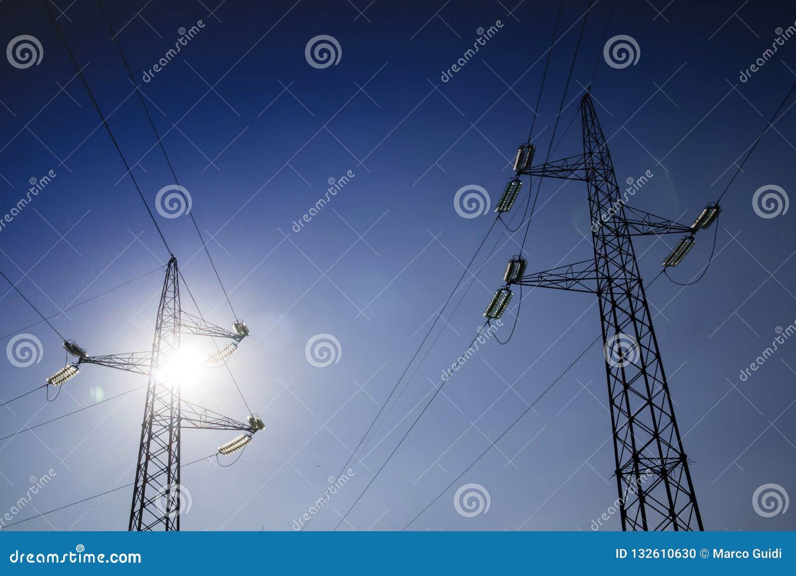 Ферменные конструкции для транспортировать электричество